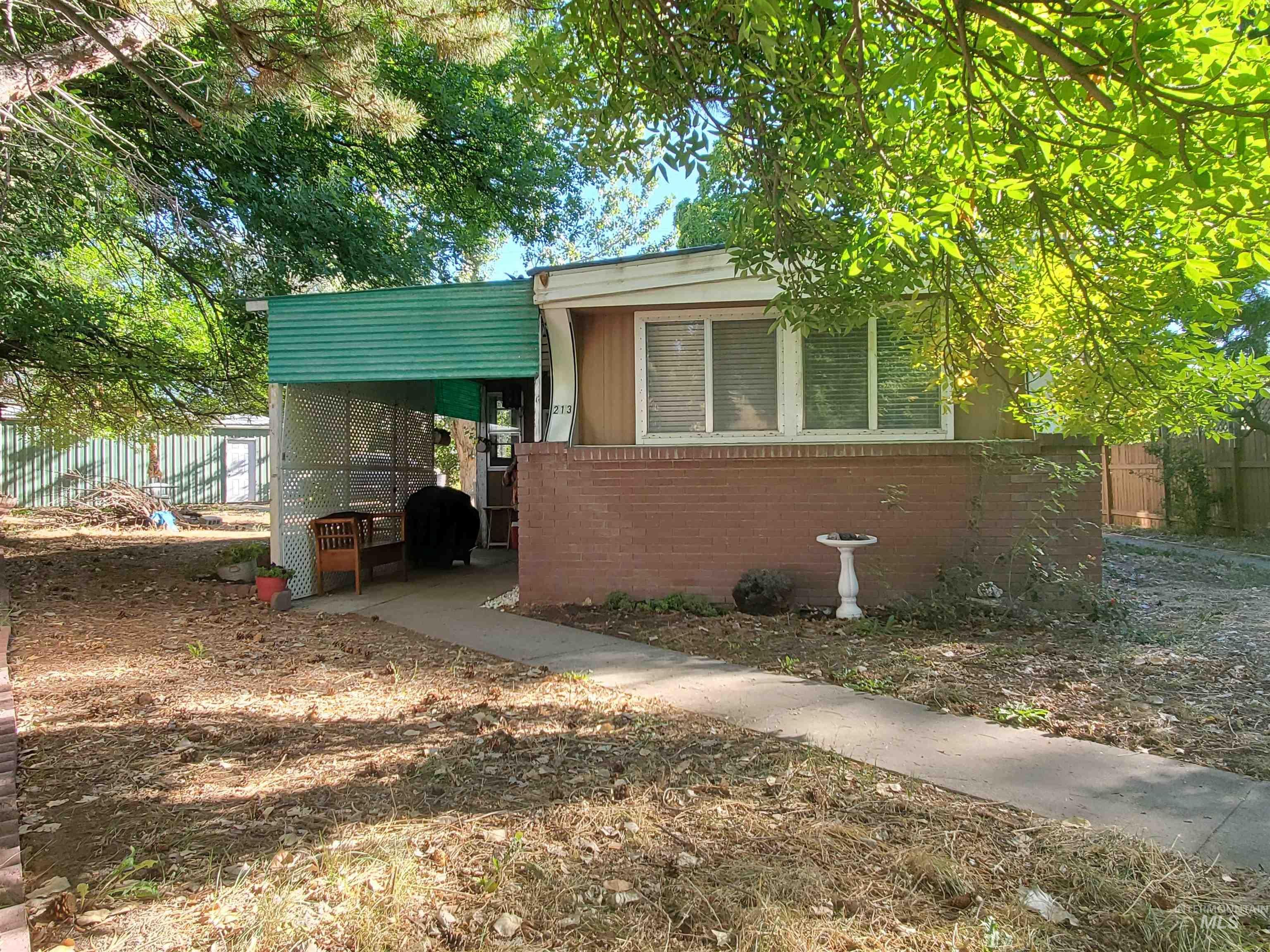 213 W Ave D Property Photo