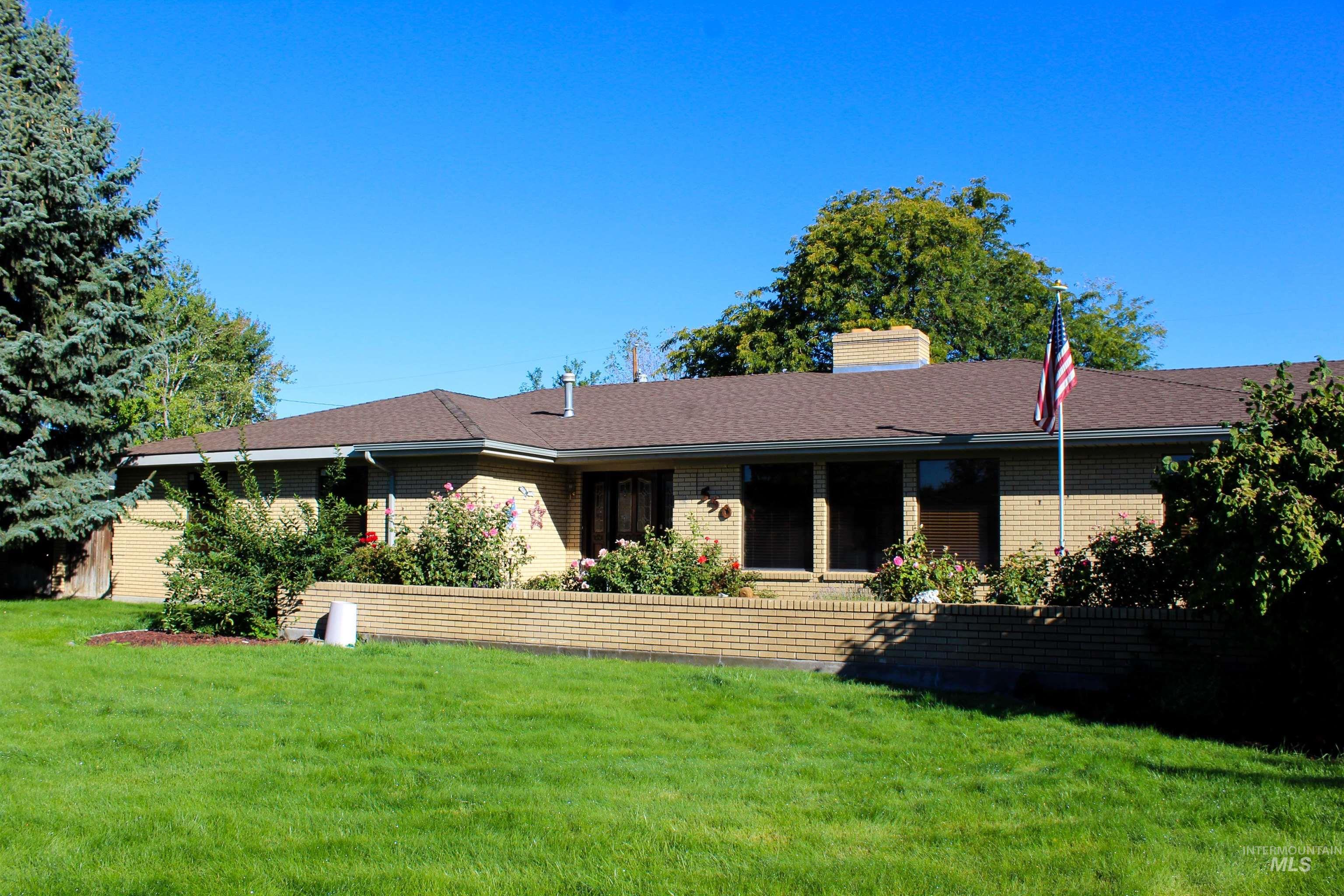 550 E 16th North Property Photo