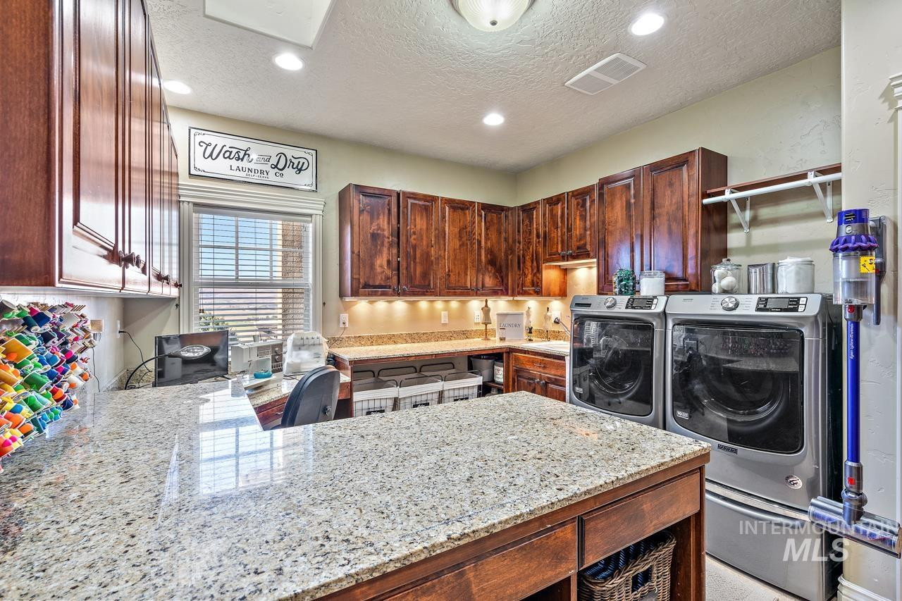 10430 Randall Ln Property Photo 13