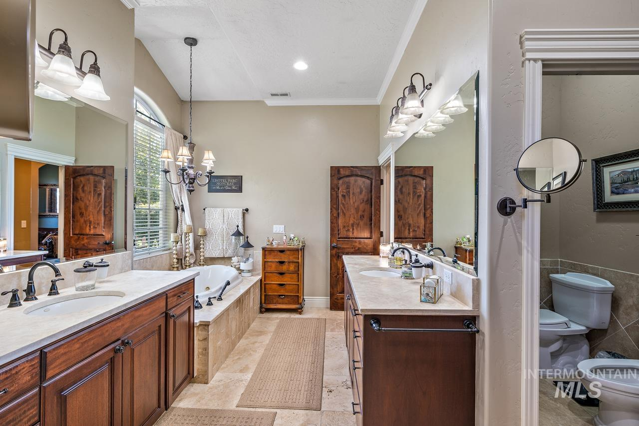 10430 Randall Ln Property Photo 16