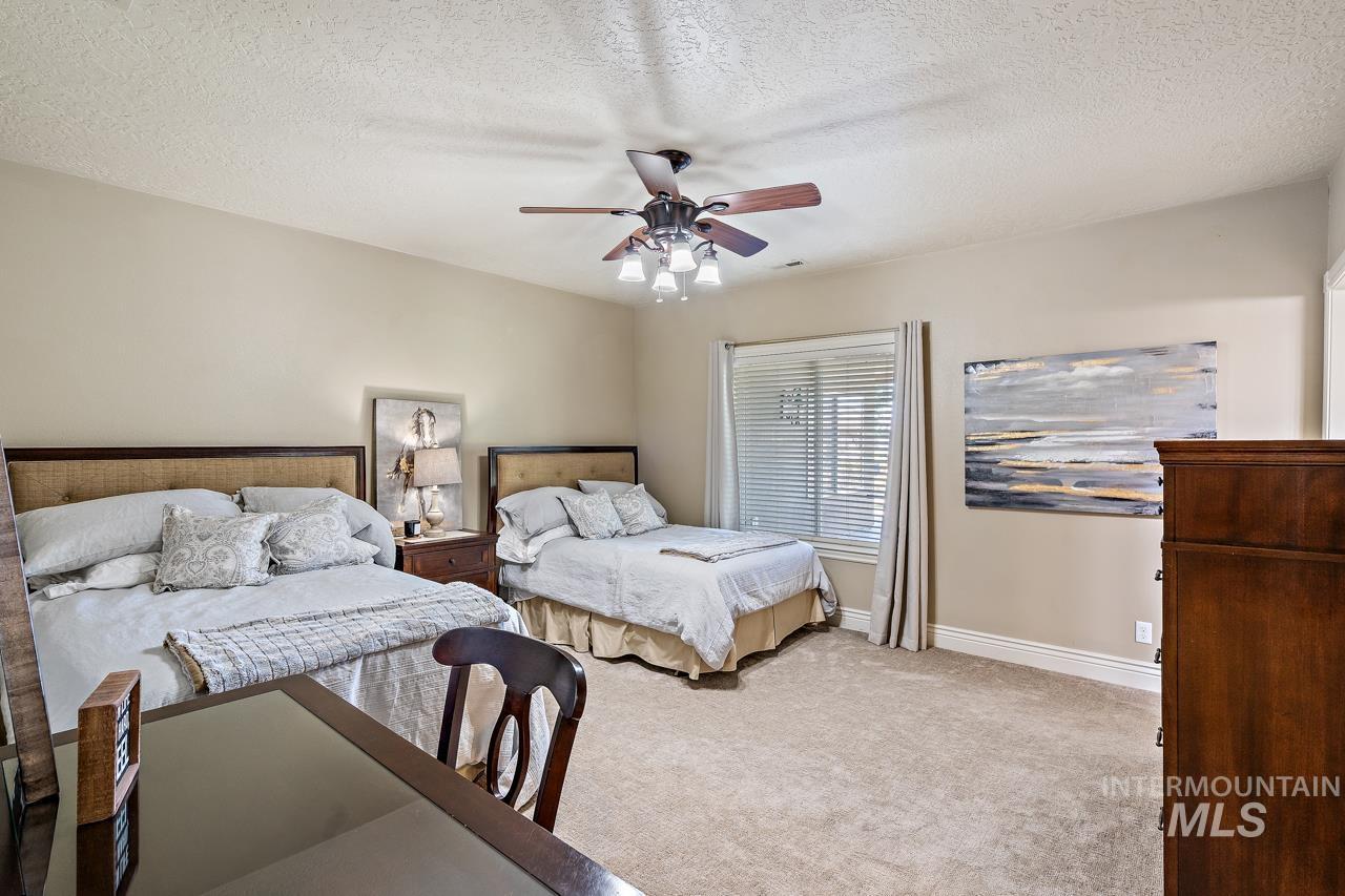 10430 Randall Ln Property Photo 20