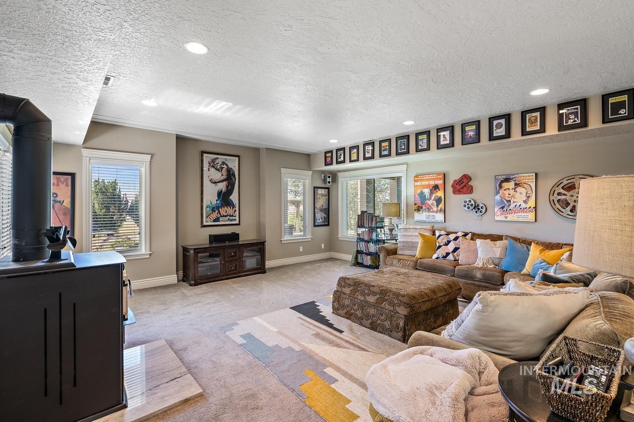 10430 Randall Ln Property Photo 24