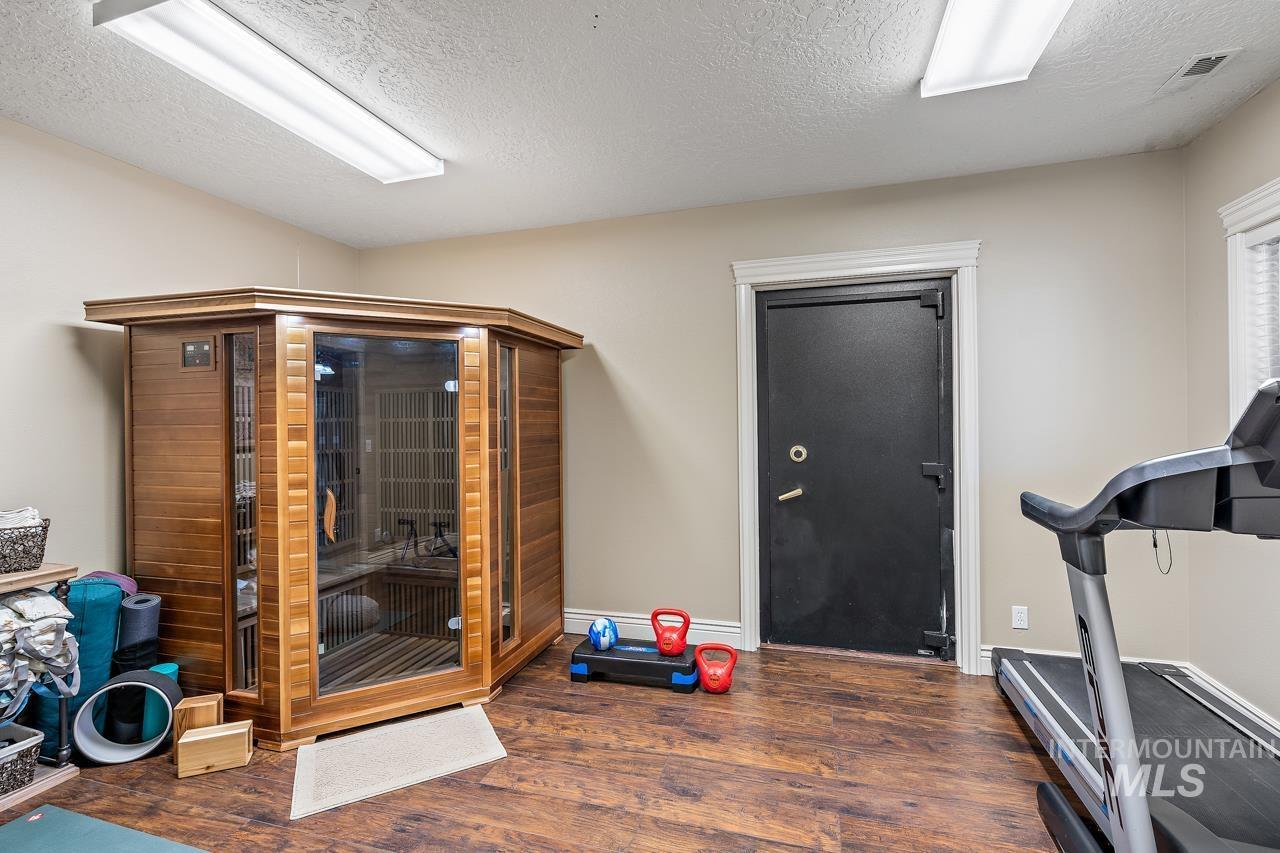 10430 Randall Ln Property Photo 27