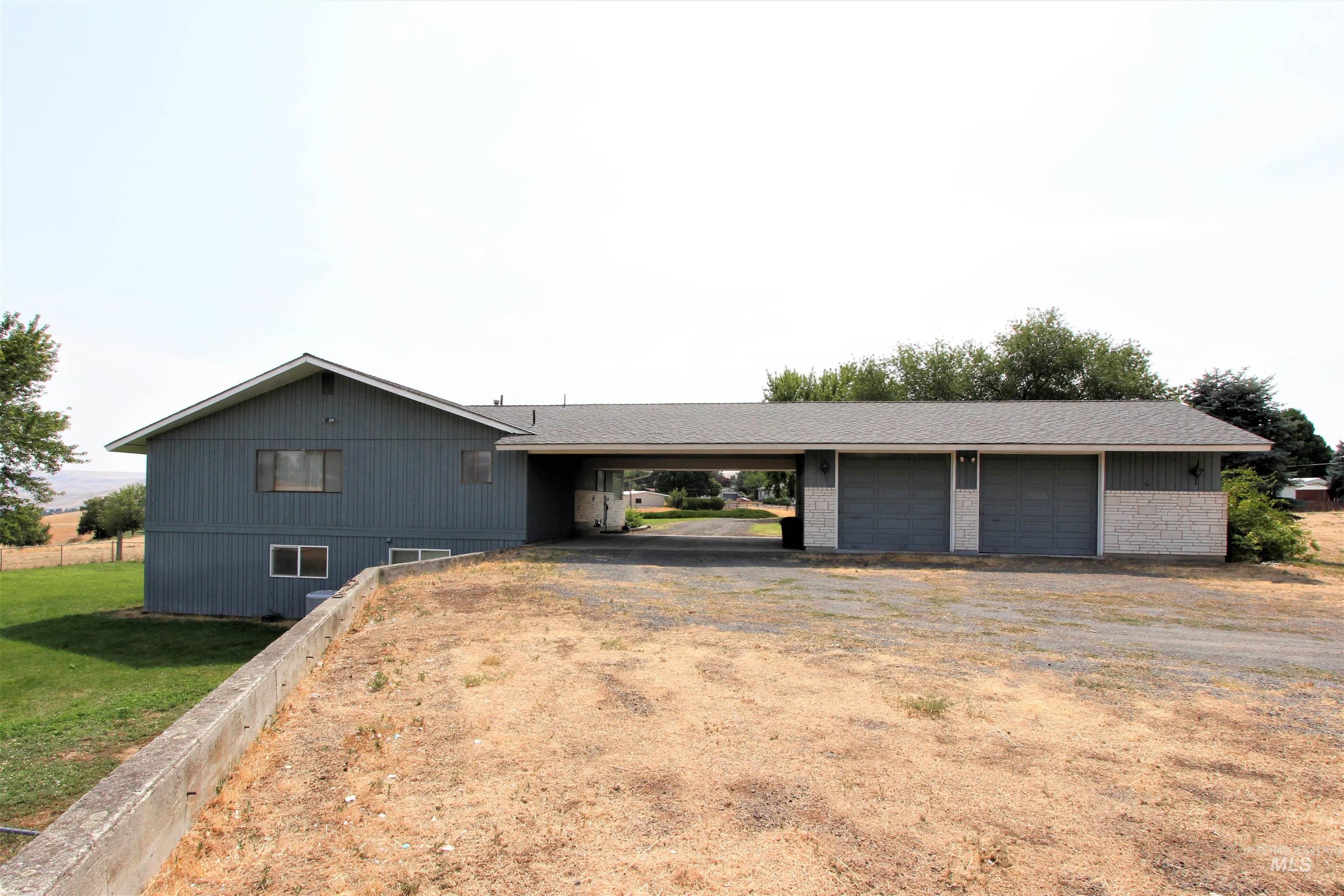 98819878 Property Photo