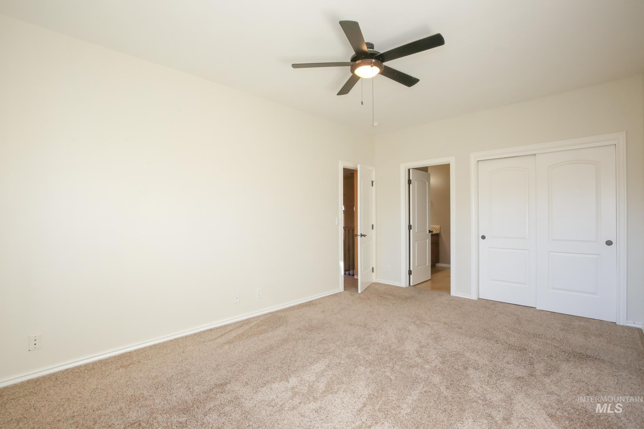 4973 Eagle View Ct Property Photo 33