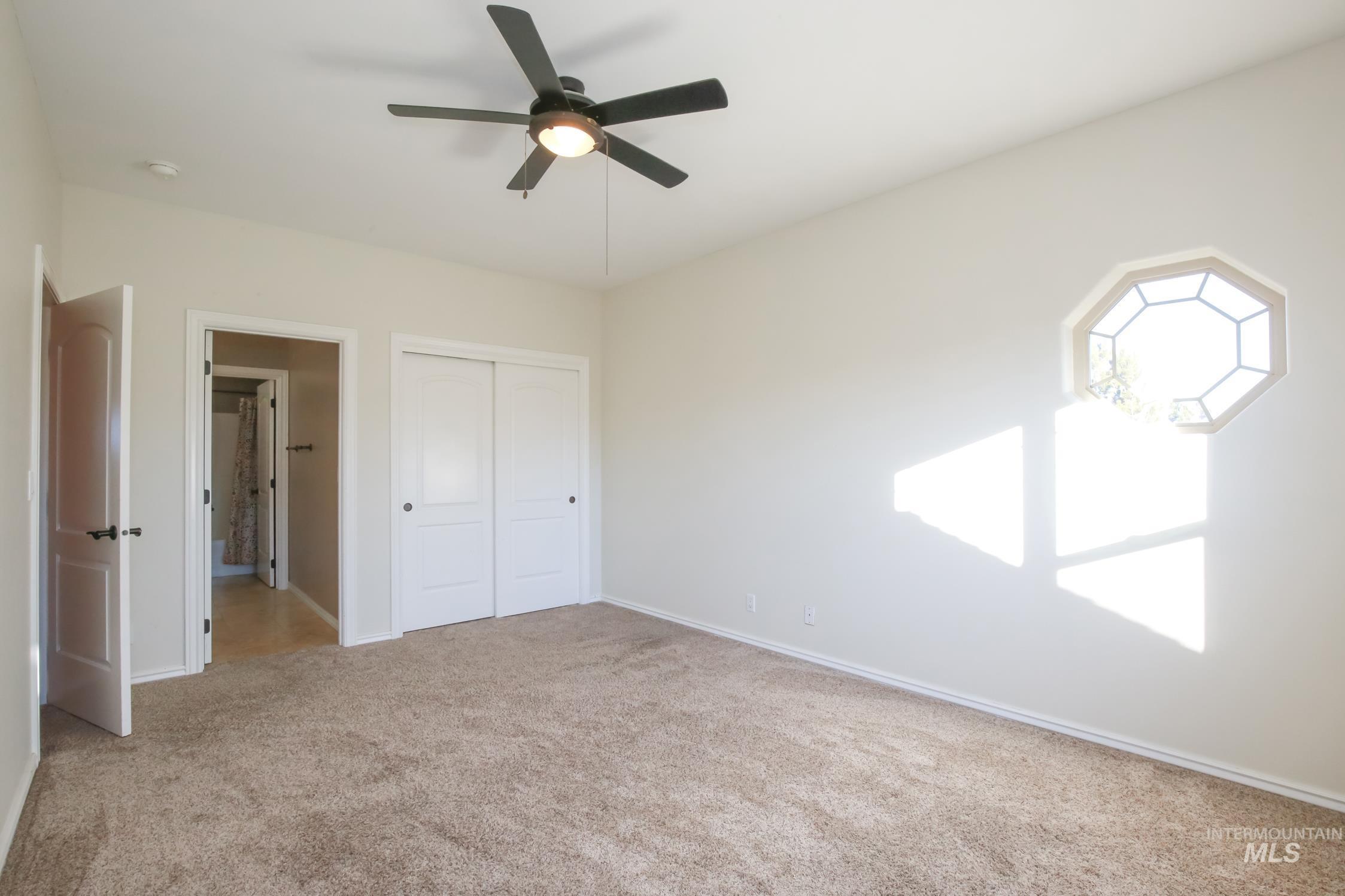 4973 Eagle View Ct Property Photo 36