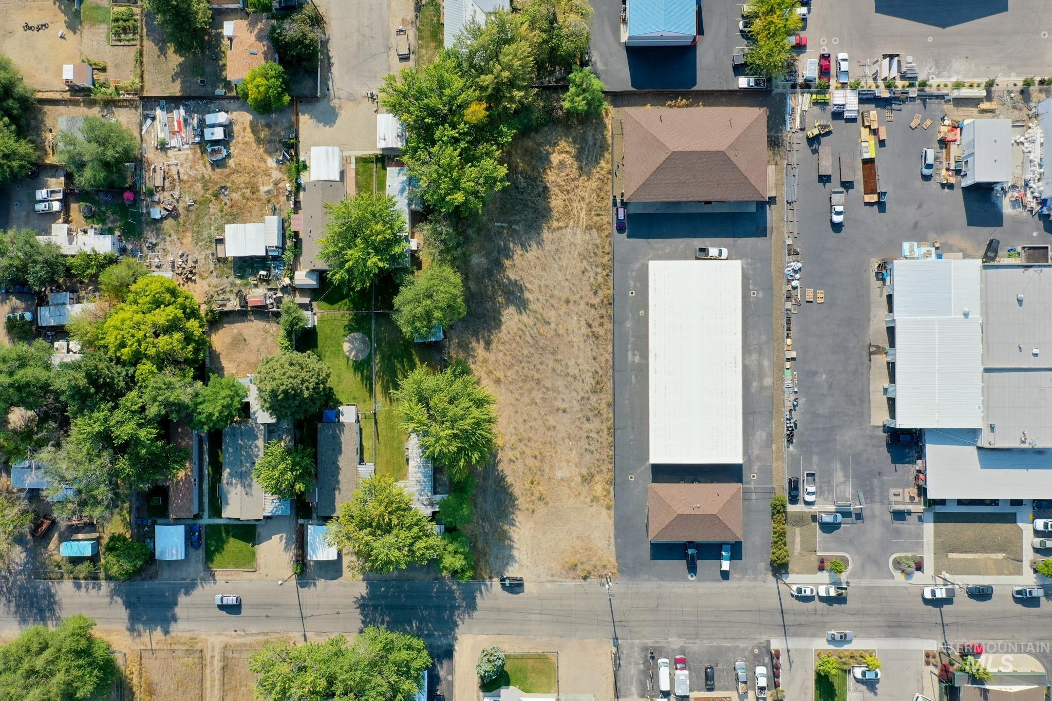 123 E 39th St Property Photo