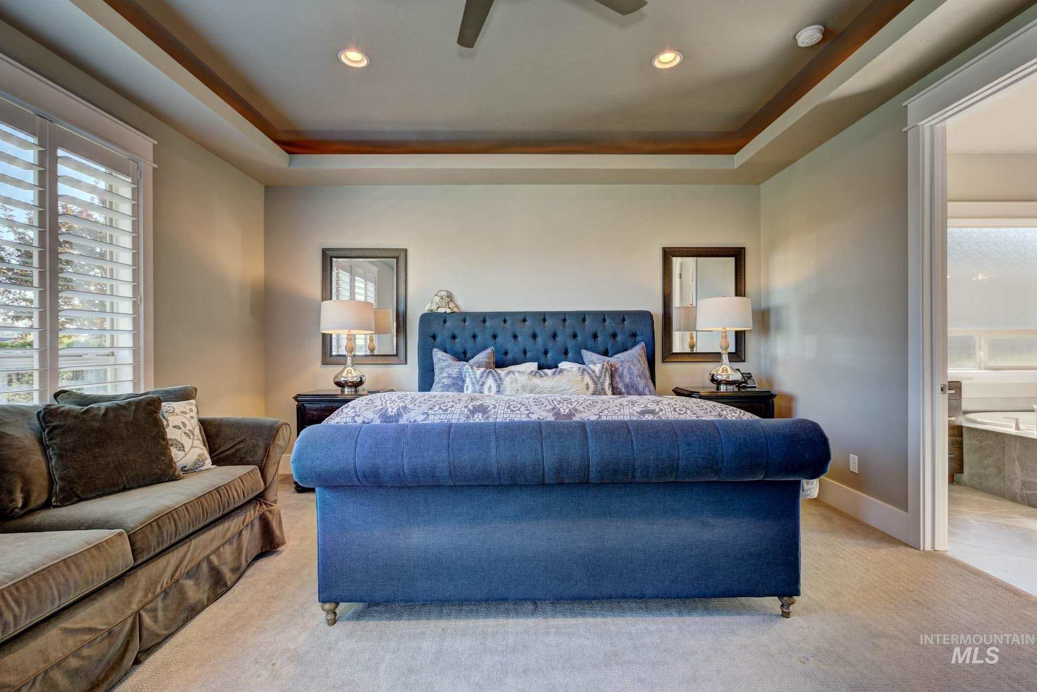 592 S Barkvine Way Property Photo 27