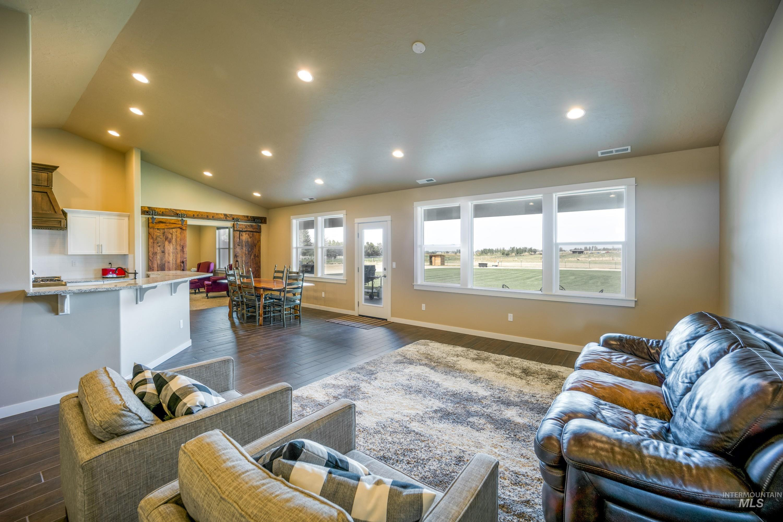 4100 W Columbia Rd Property Photo 9