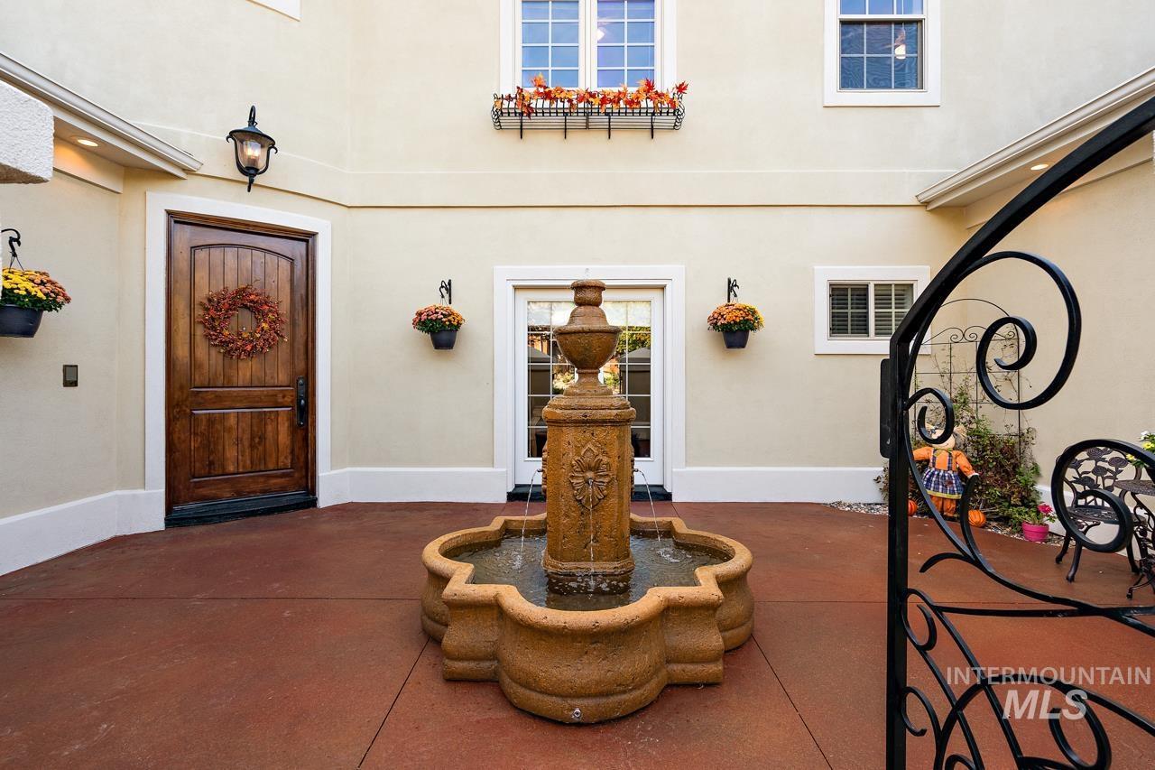 4375 N Arrow Crest Way Property Photo 3
