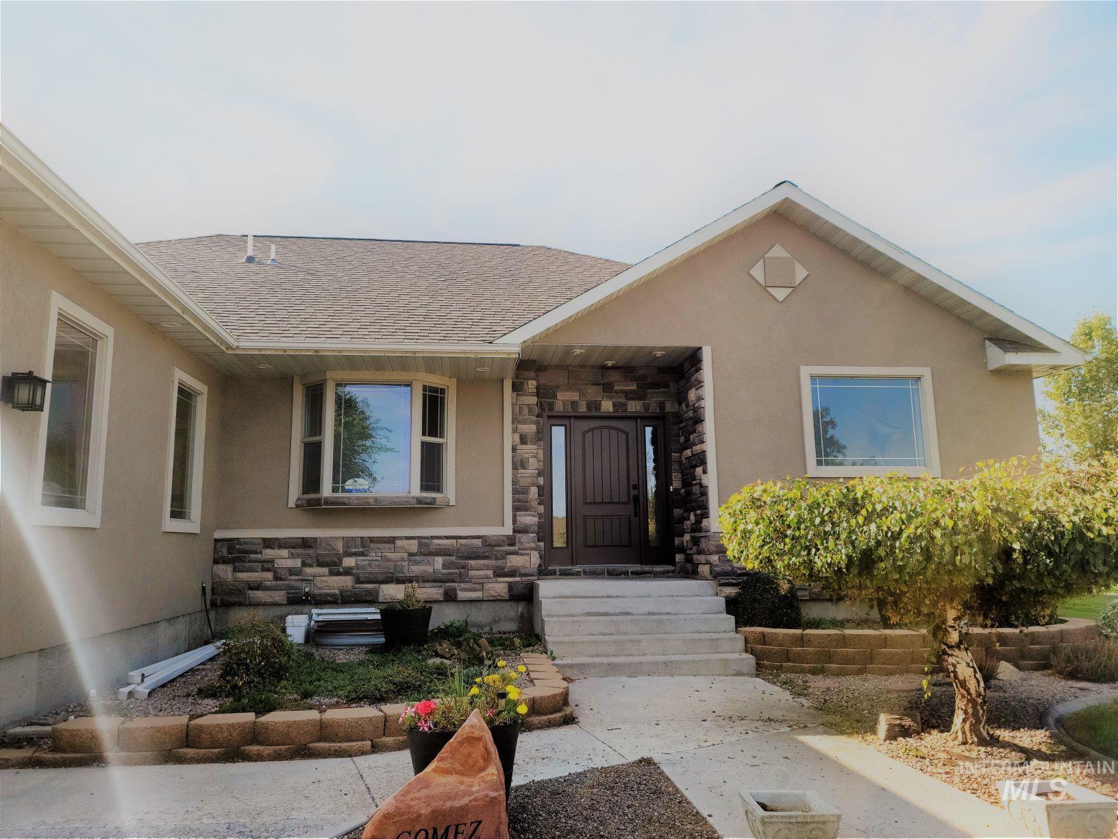 317 Foxboro Property Photo