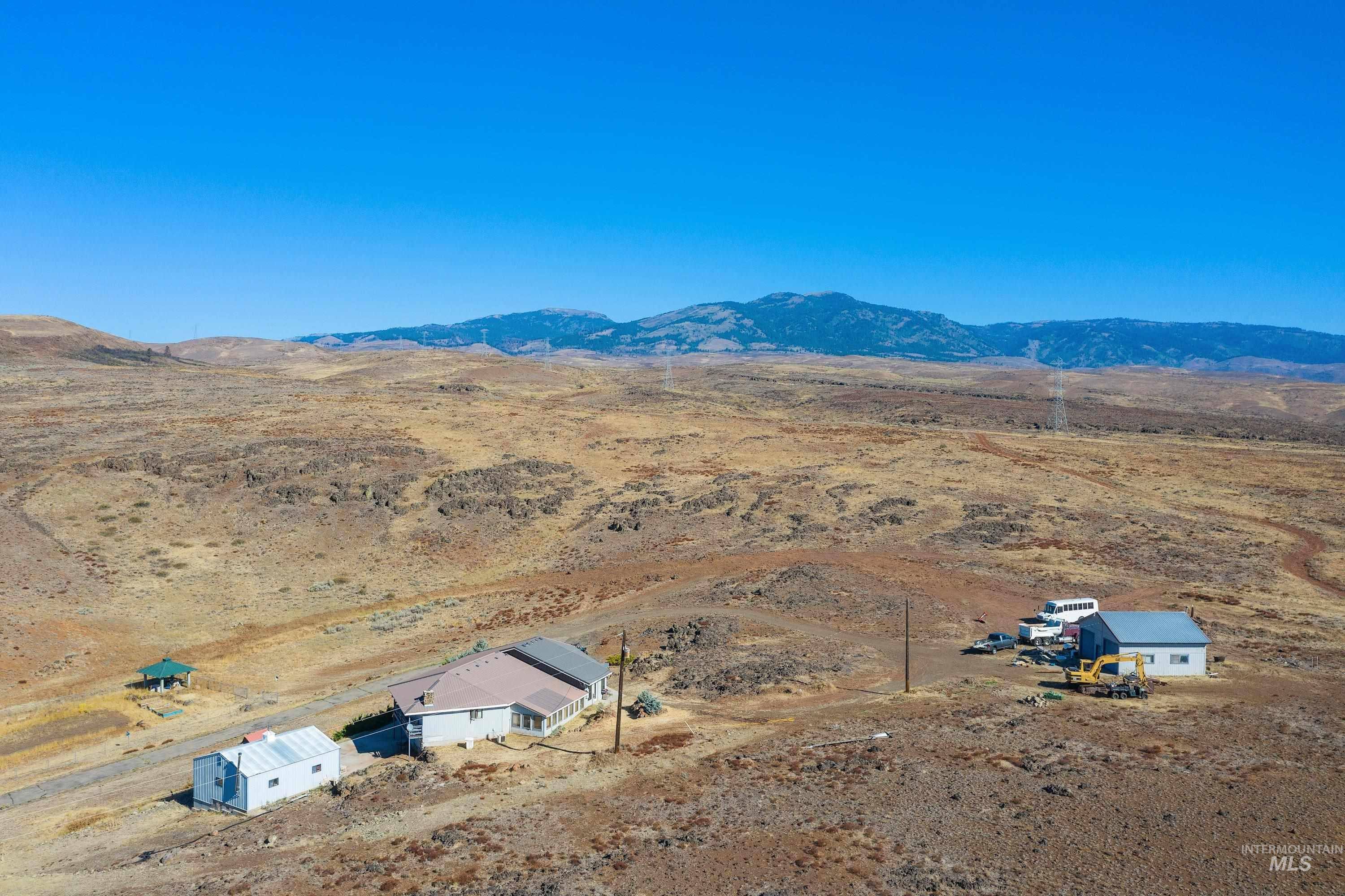 3068 Hwy 71 And Land Property Photo 8