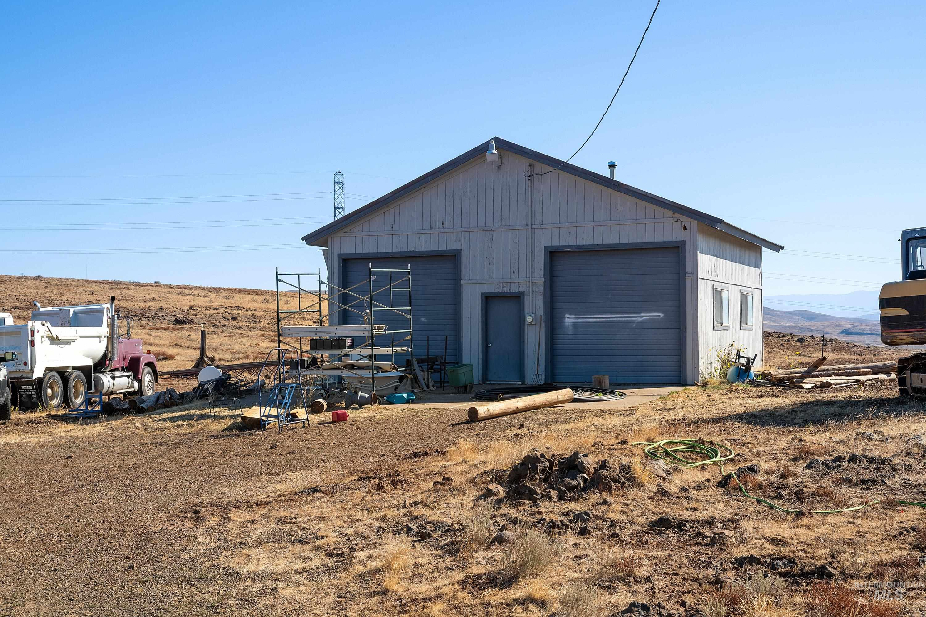 3068 Hwy 71 And Land Property Photo 9