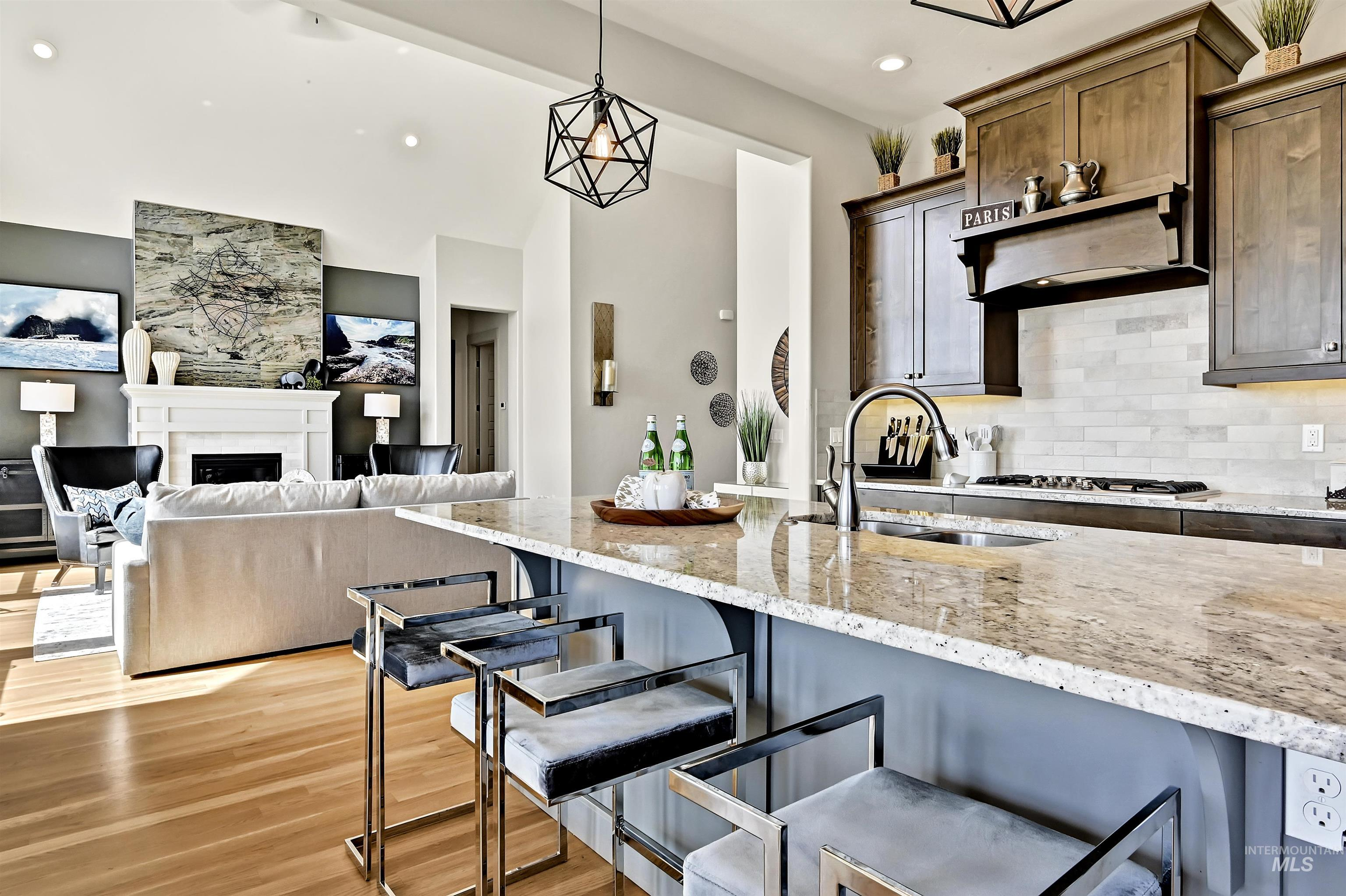 5817 E Hootowl Property Photo 11