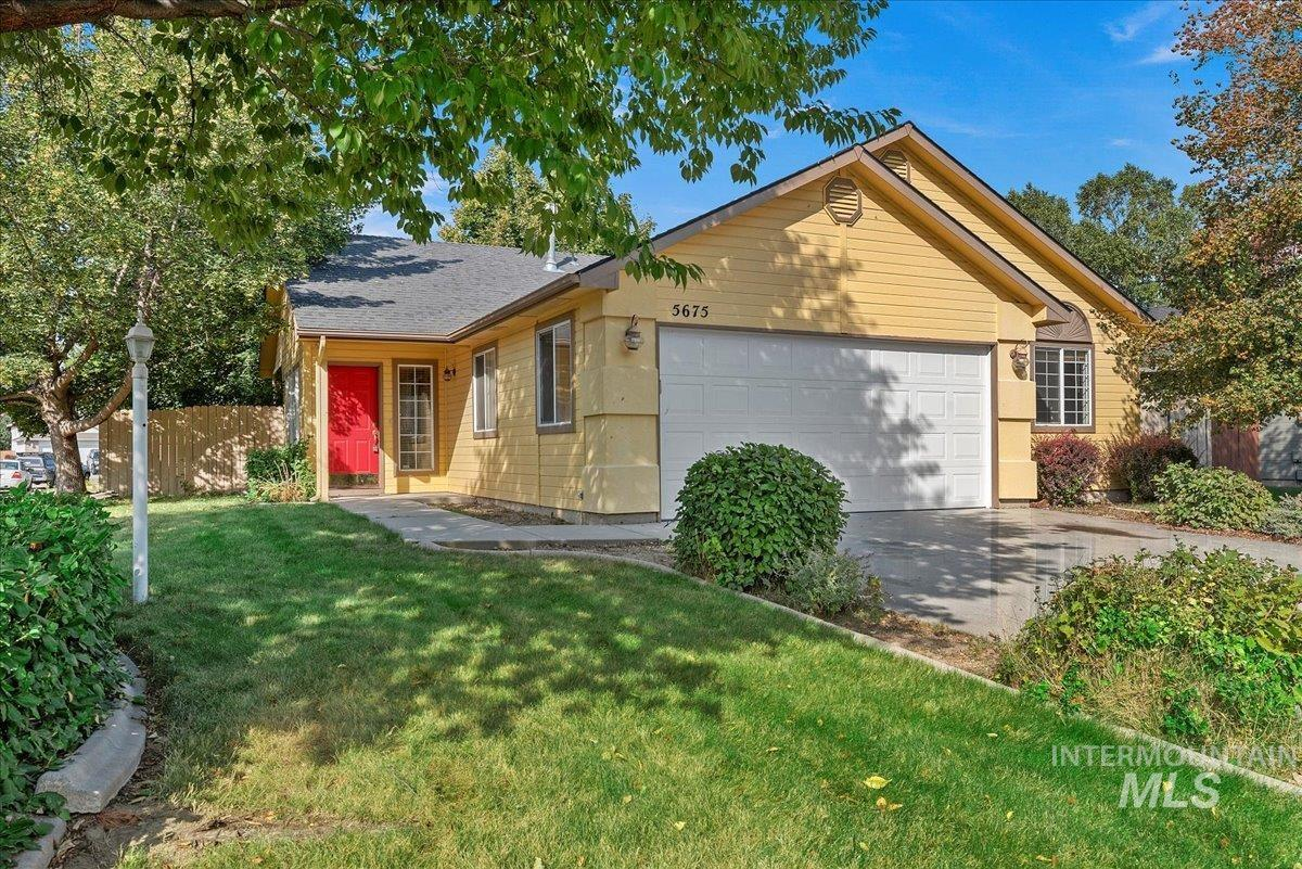 5675 N Graham Ave. Property Photo