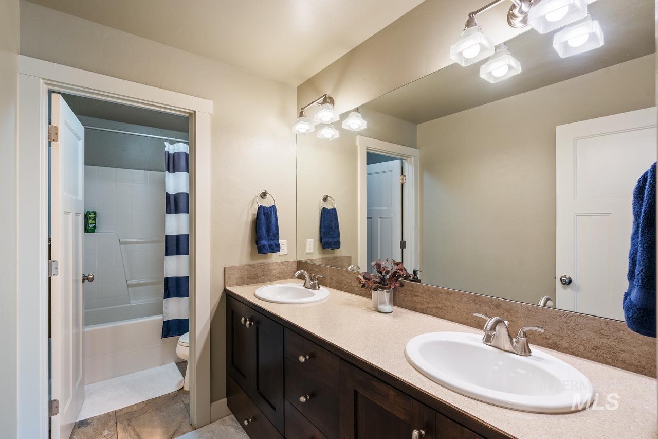 6029 E Grand Prairie Property Photo 31