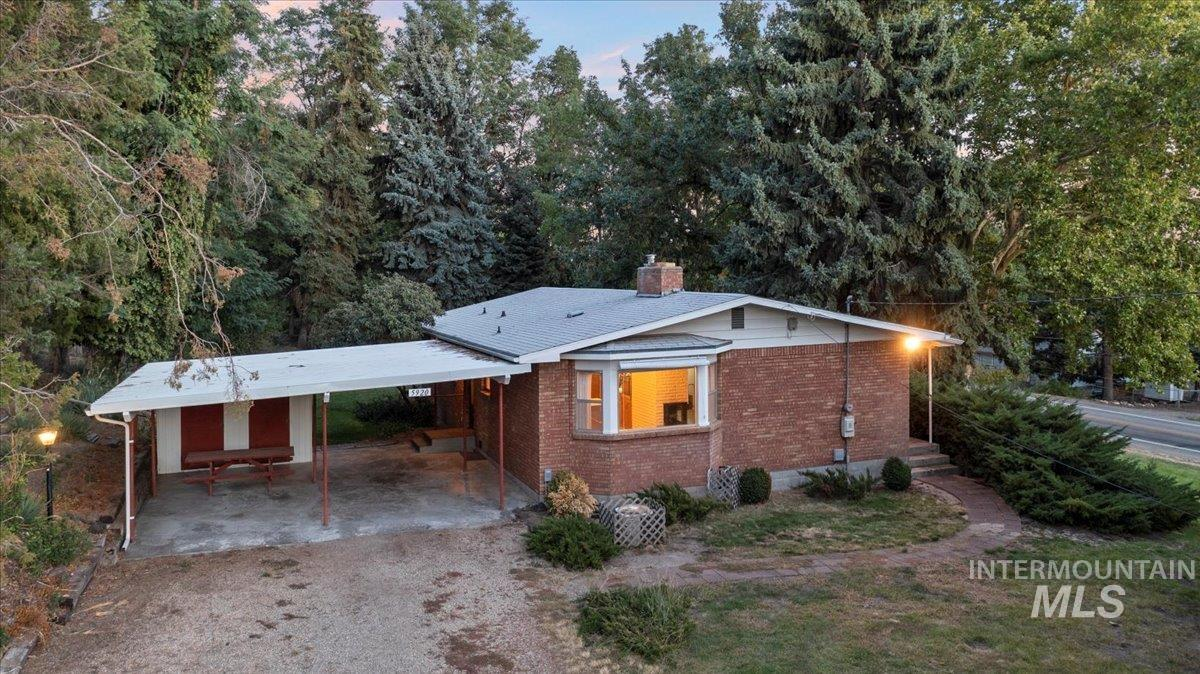 5920 W Hill Rd Property Photo