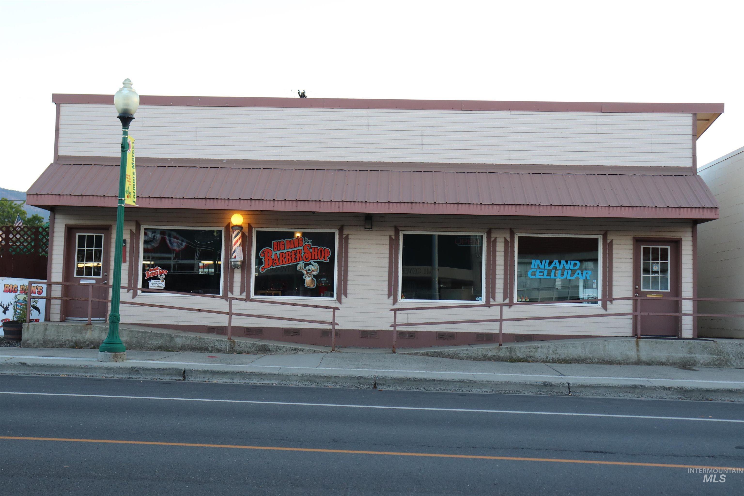 126 E Main Street Property Photo 1