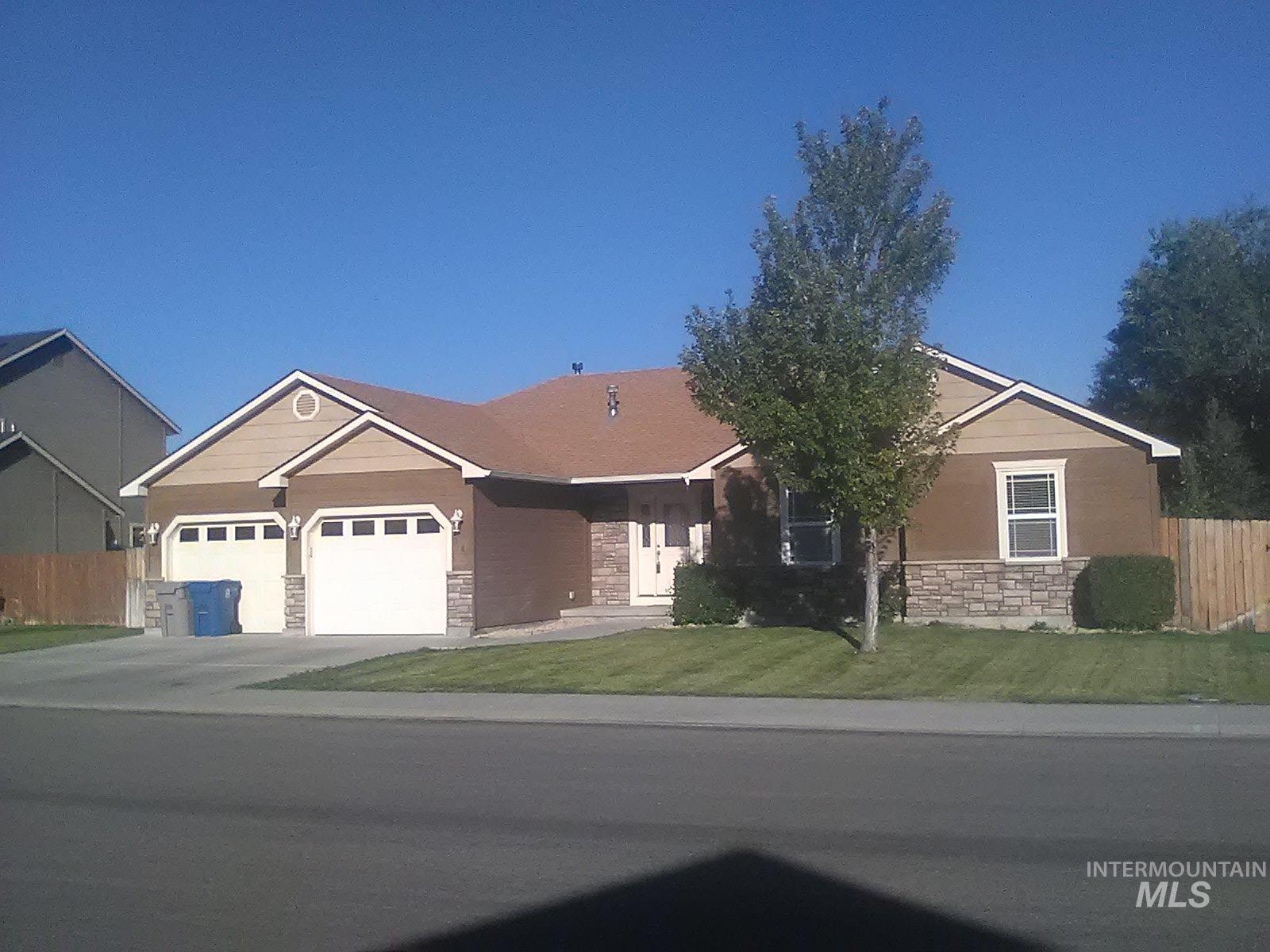 1380 Ne Dry Creek Dr Property Photo