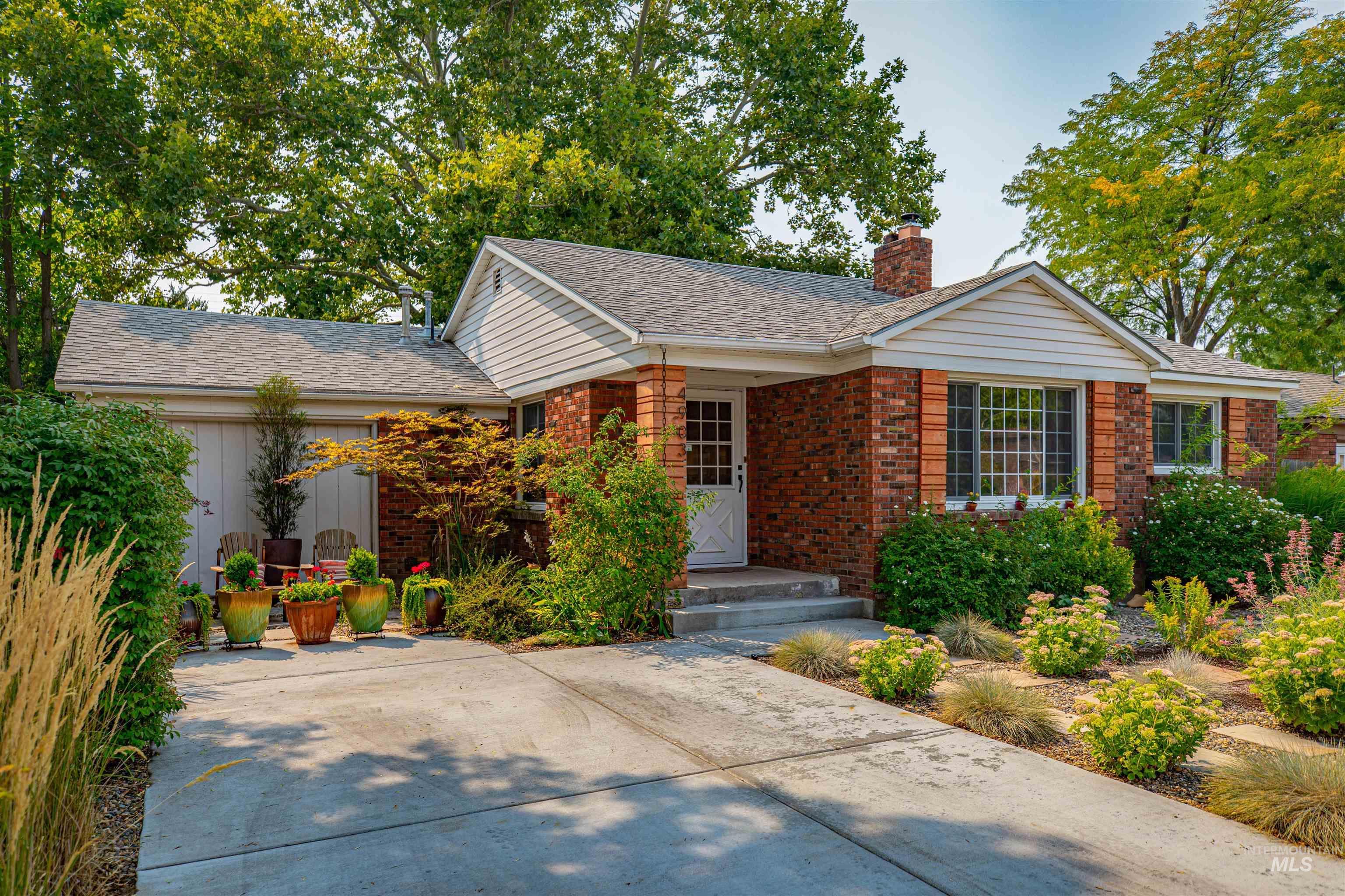 Amyx Real Estate Listings Main Image