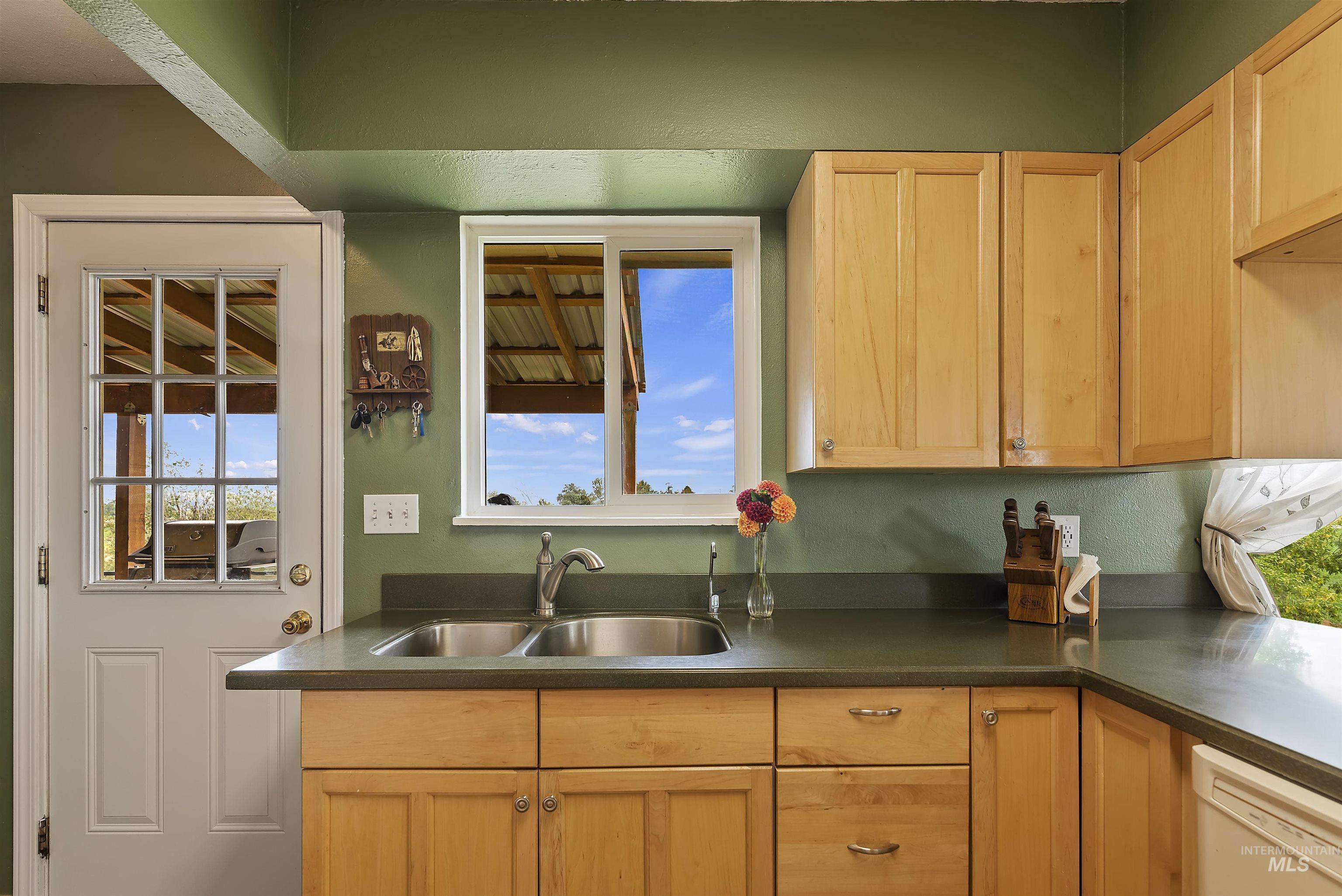 5090 Se 4th Avenue Property Photo 17