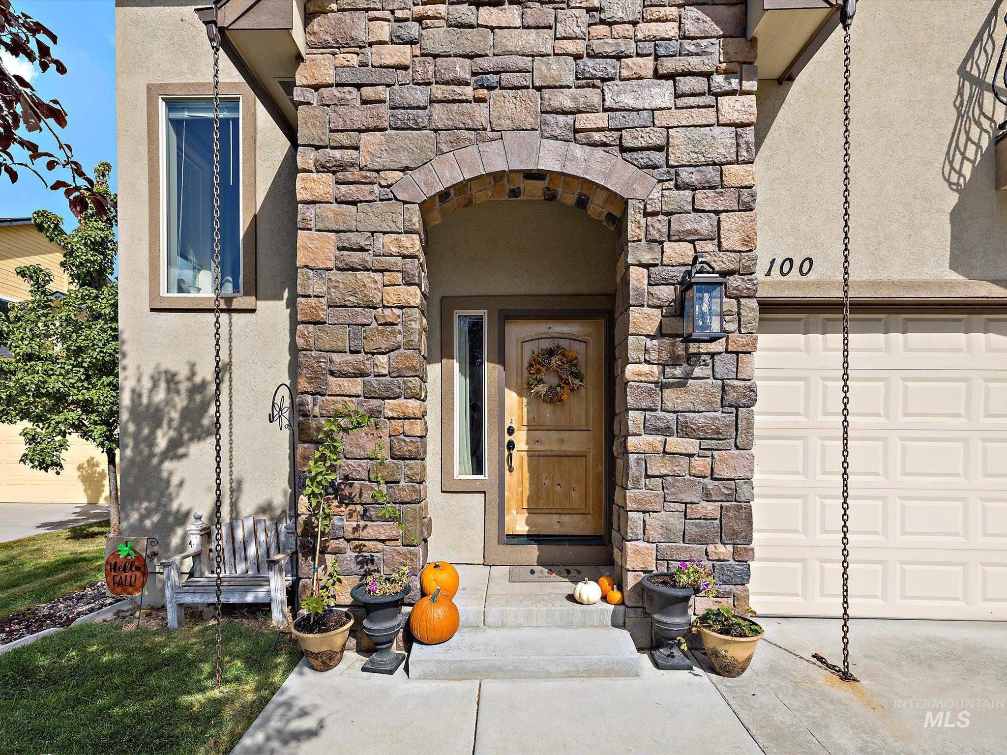 100 E Breinholt Ave Property Photo