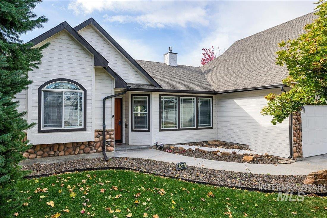 559 W Calderwood Property Photo
