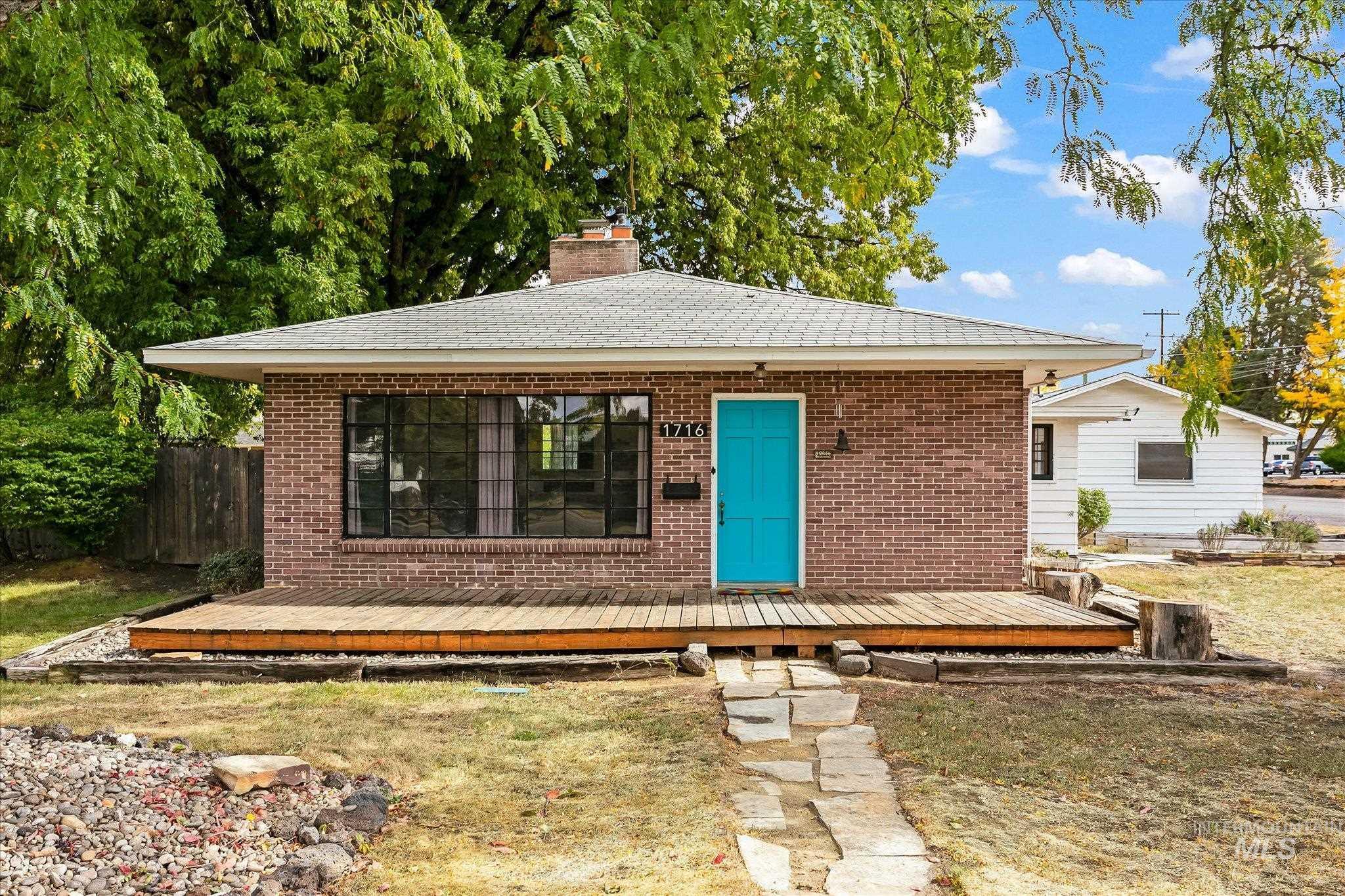 Cruzen Mtn View Real Estate Listings Main Image