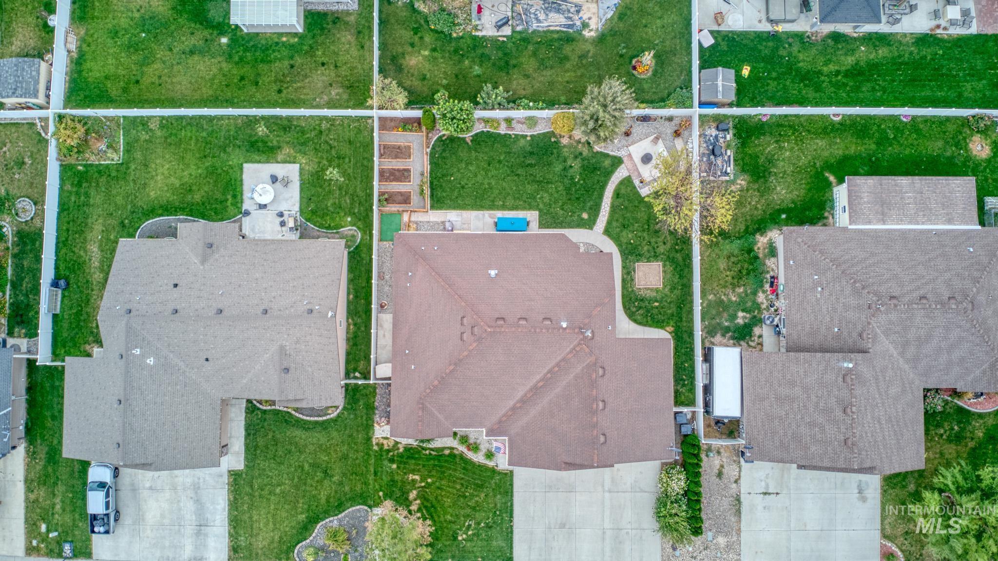1040 Kelly Avenue Property Photo 6