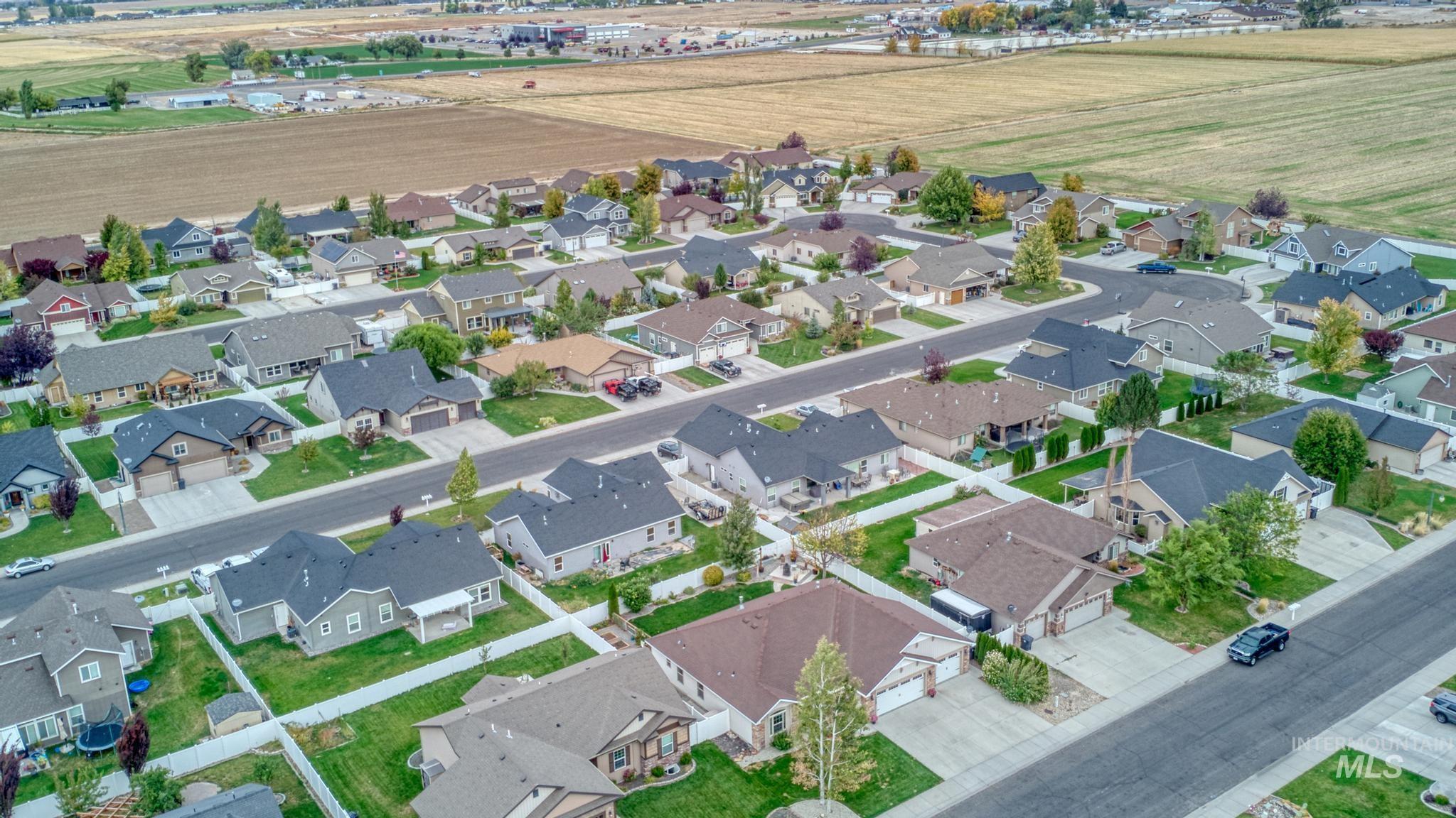 1040 Kelly Avenue Property Photo 7