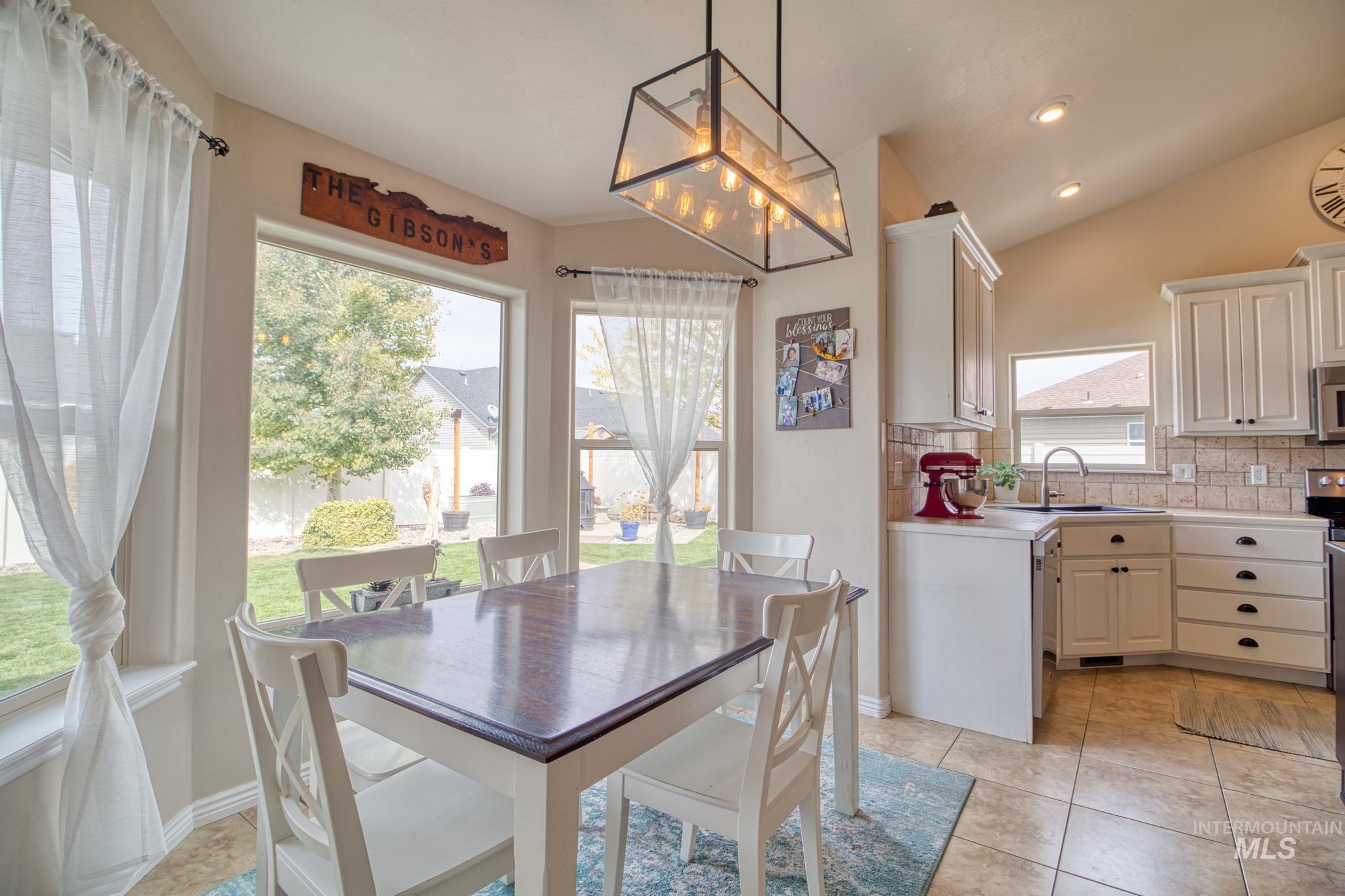 1040 Kelly Avenue Property Photo 13