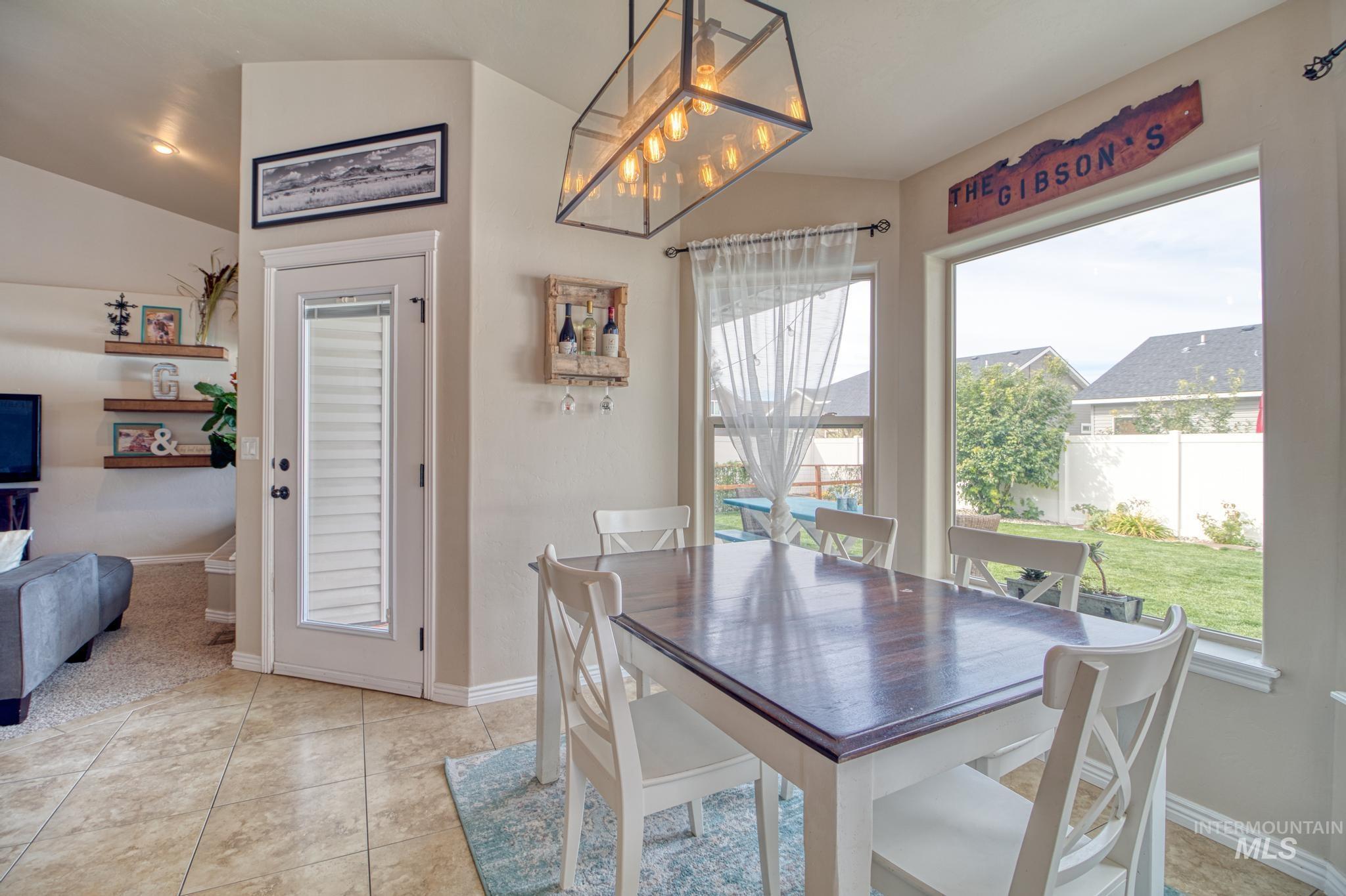 1040 Kelly Avenue Property Photo 14