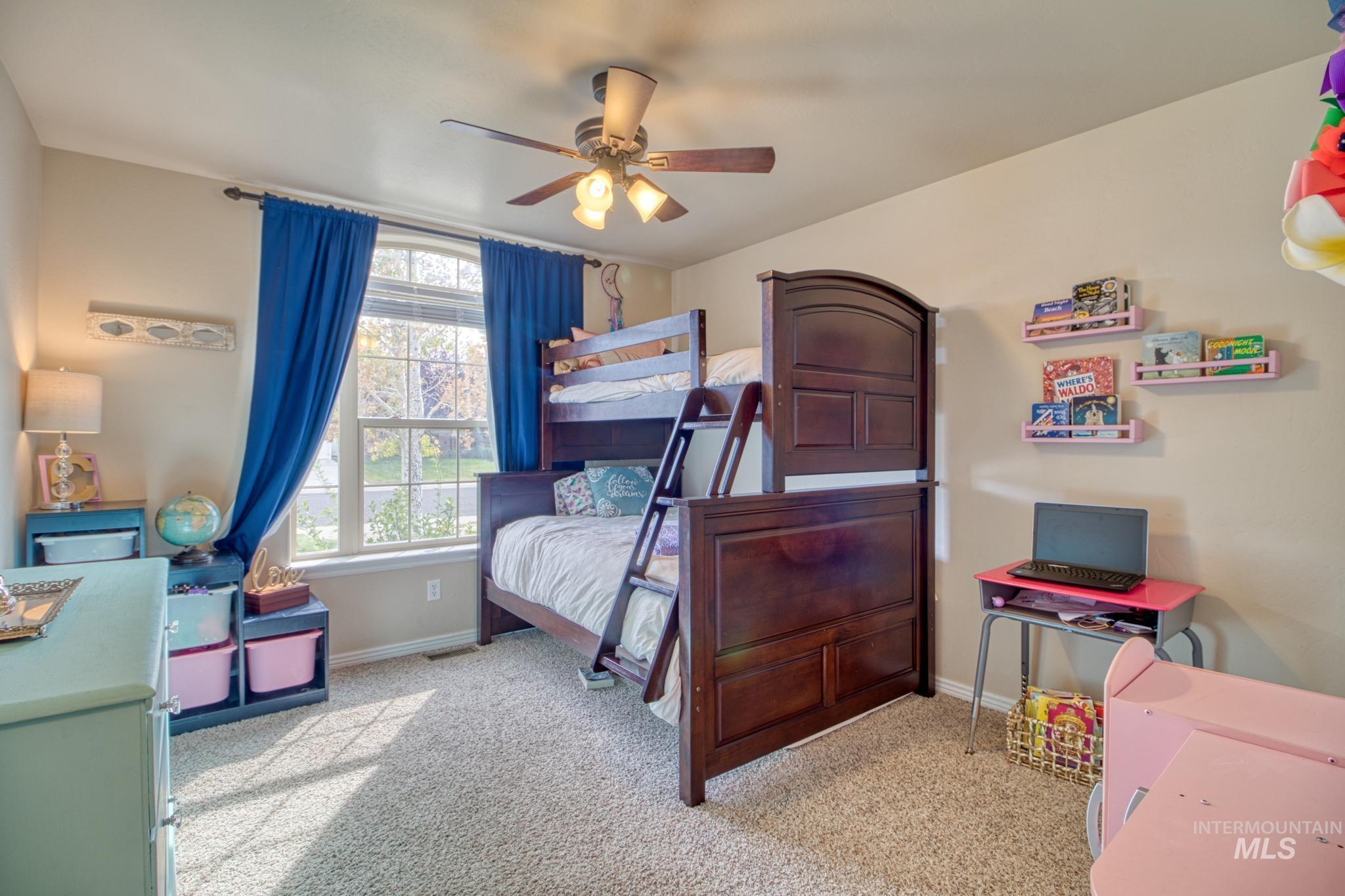 1040 Kelly Avenue Property Photo 22