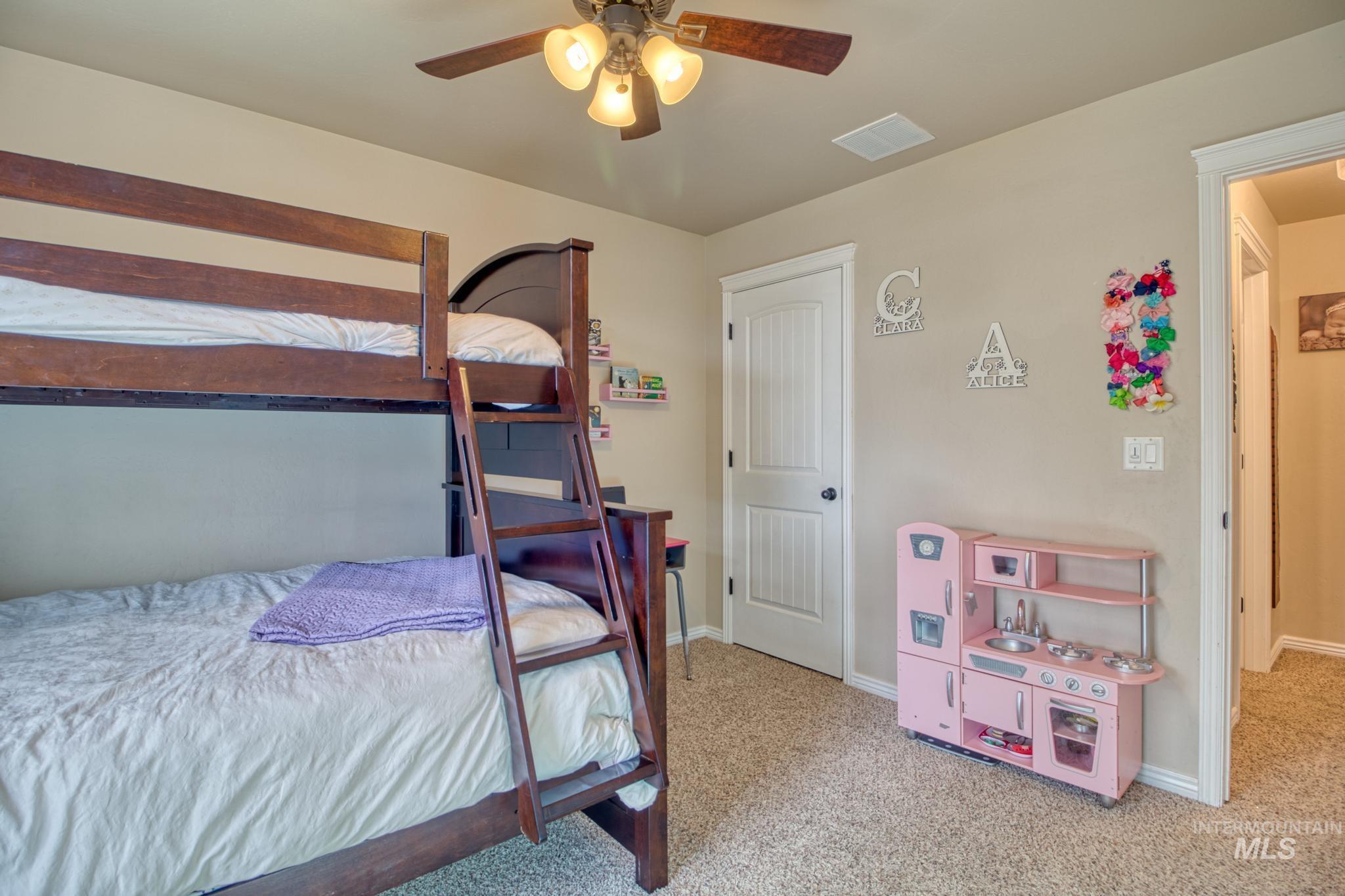 1040 Kelly Avenue Property Photo 23