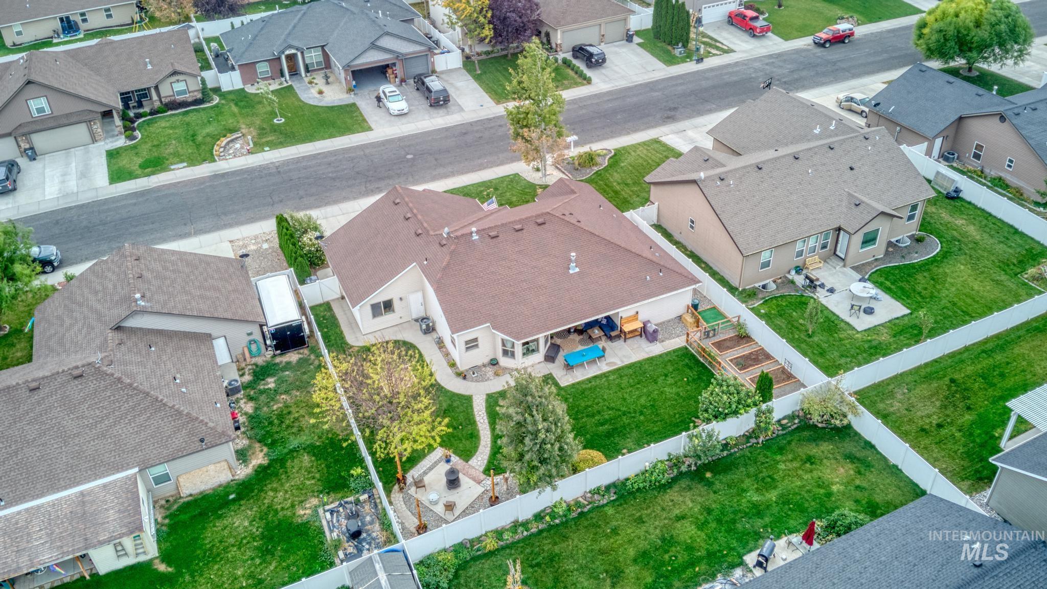 1040 Kelly Avenue Property Photo 31