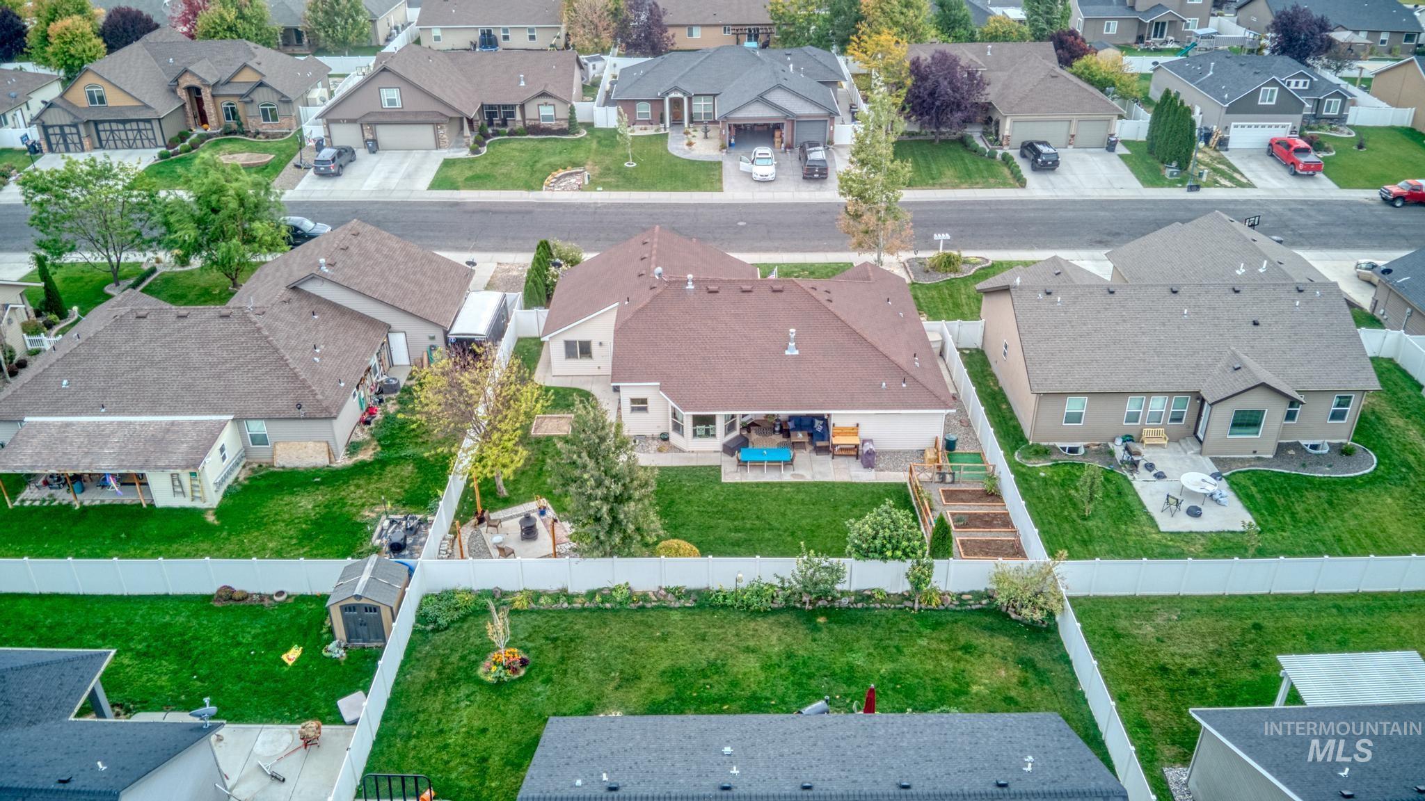 1040 Kelly Avenue Property Photo 32