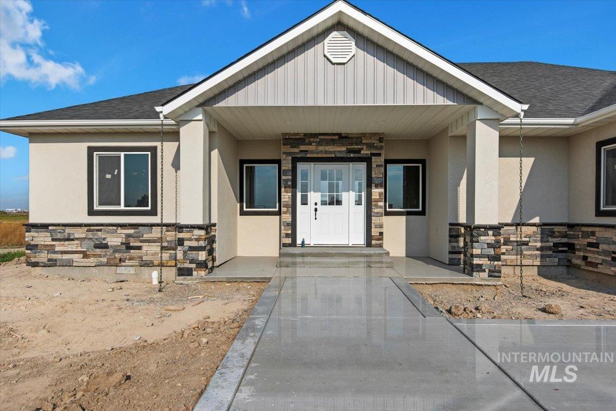 612 W Clark St. Property Photo