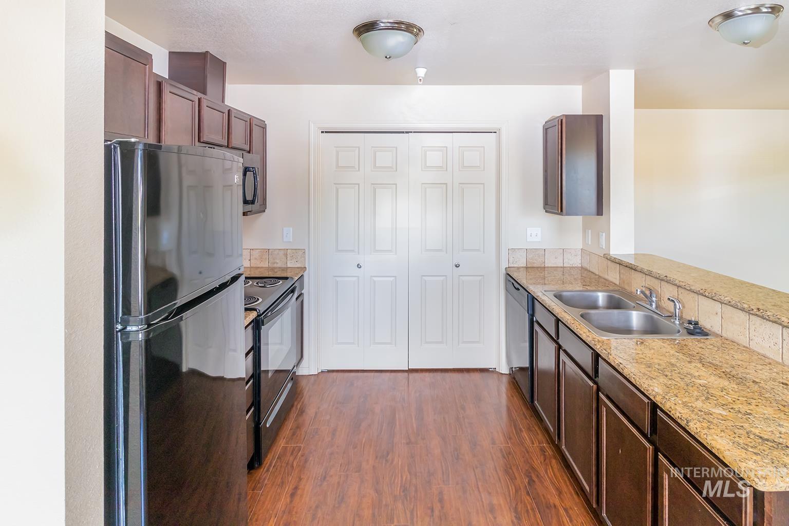 11106 W Brassy Cove Loop Property Photo 25