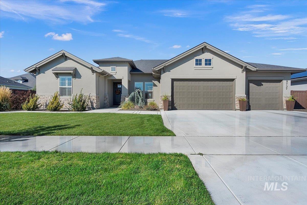 5737 N Joy Ave Property Photo