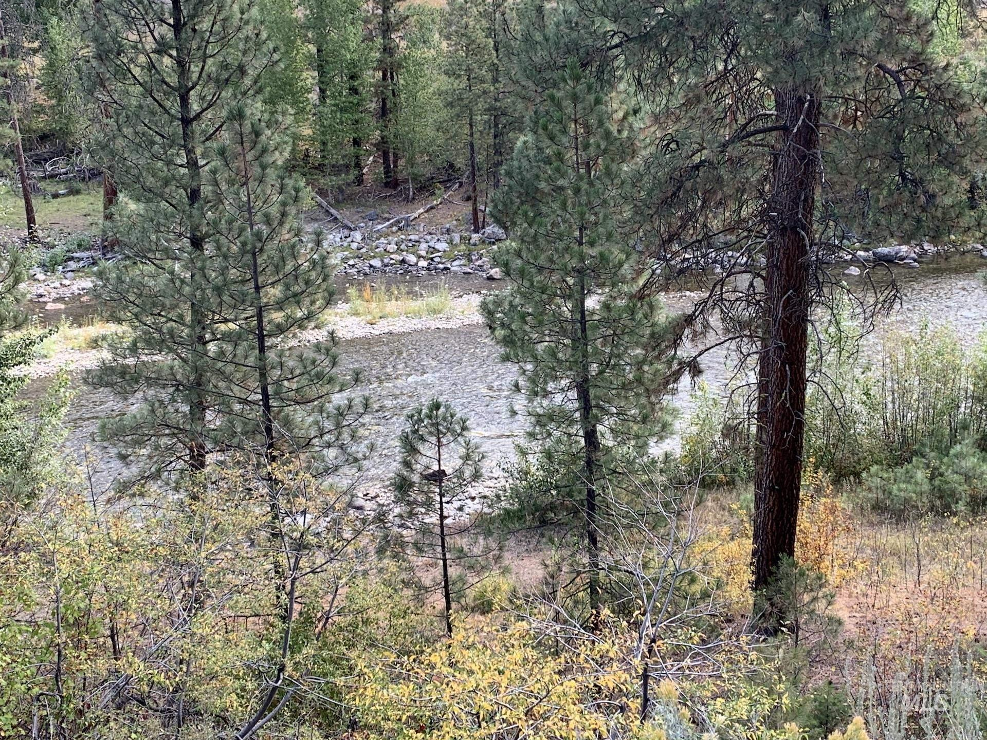 692 E Riverview Dr Property Photo