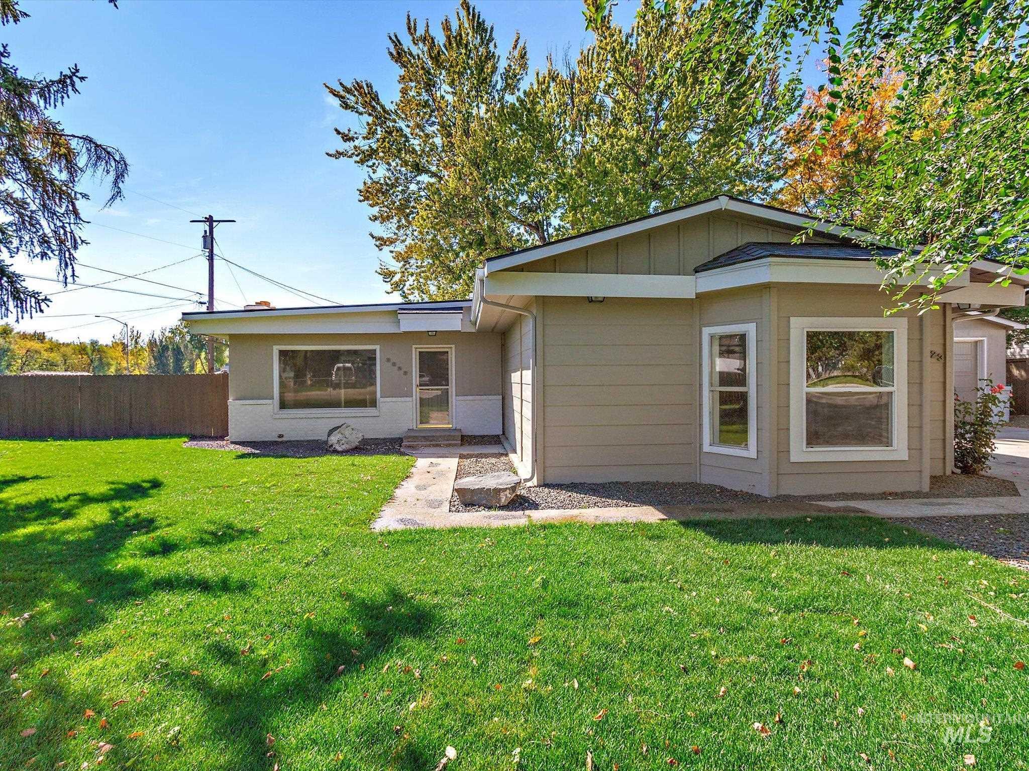 3823 W Glendale St Property Photo