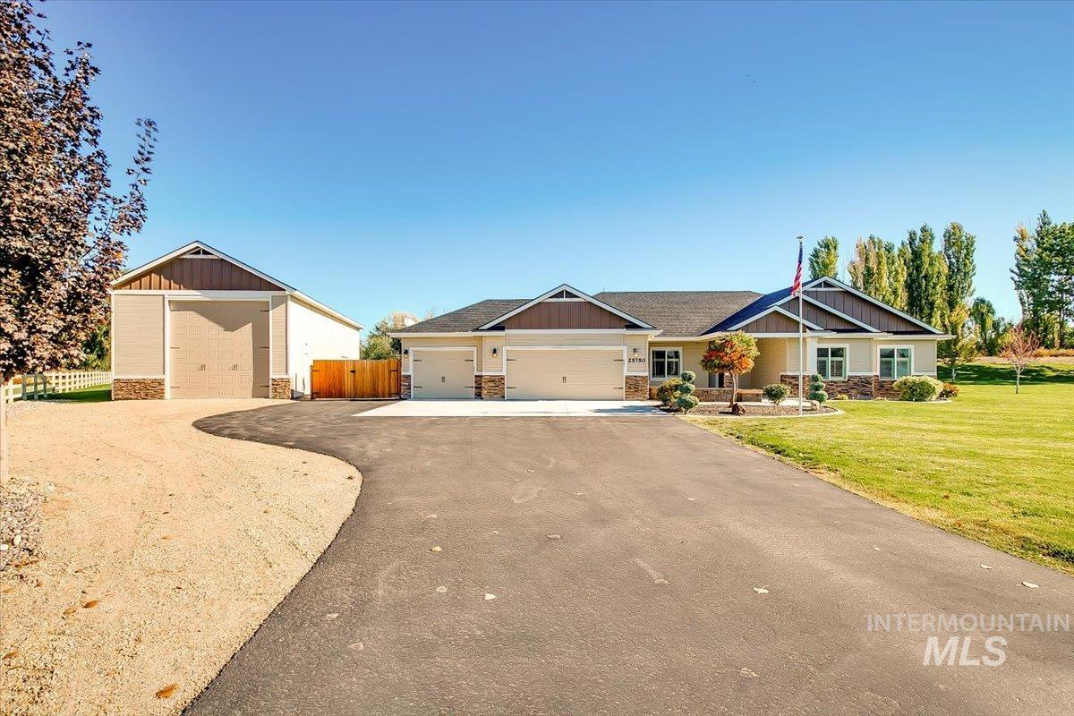 25750 Clubhouse Court Property Photo