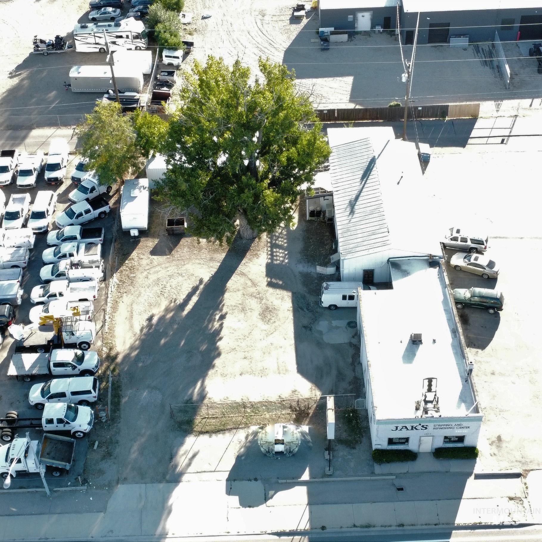 4057 W Chinden Blvd Property Photo
