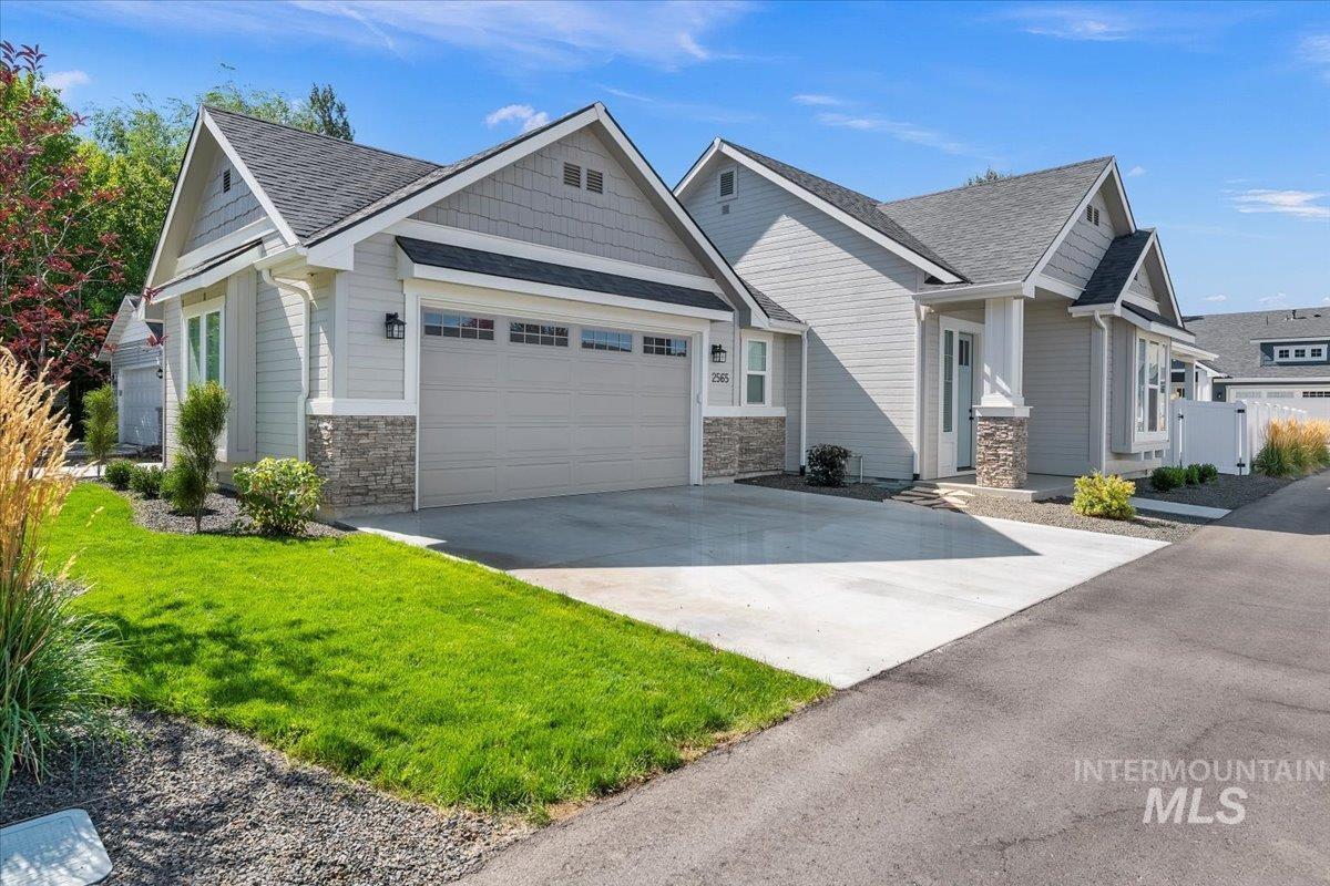 2565 N Bird Street Property Photo
