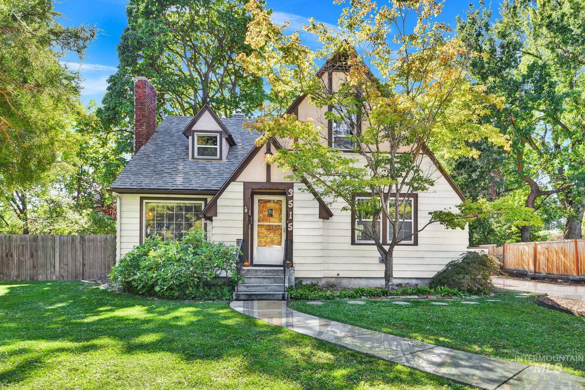 3515 W Rose Hill Property Photo