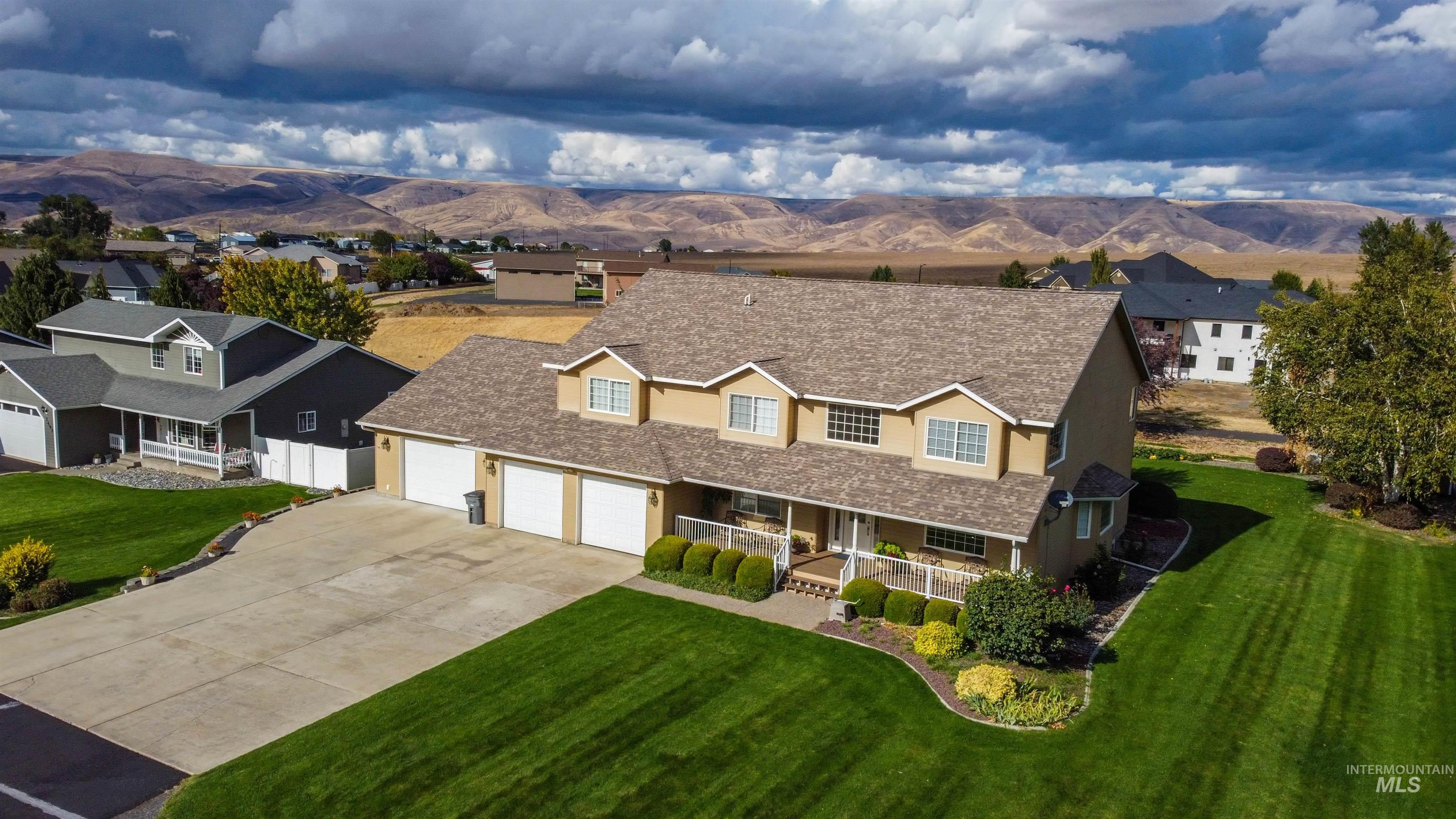 7525 Amberview Court Property Photo