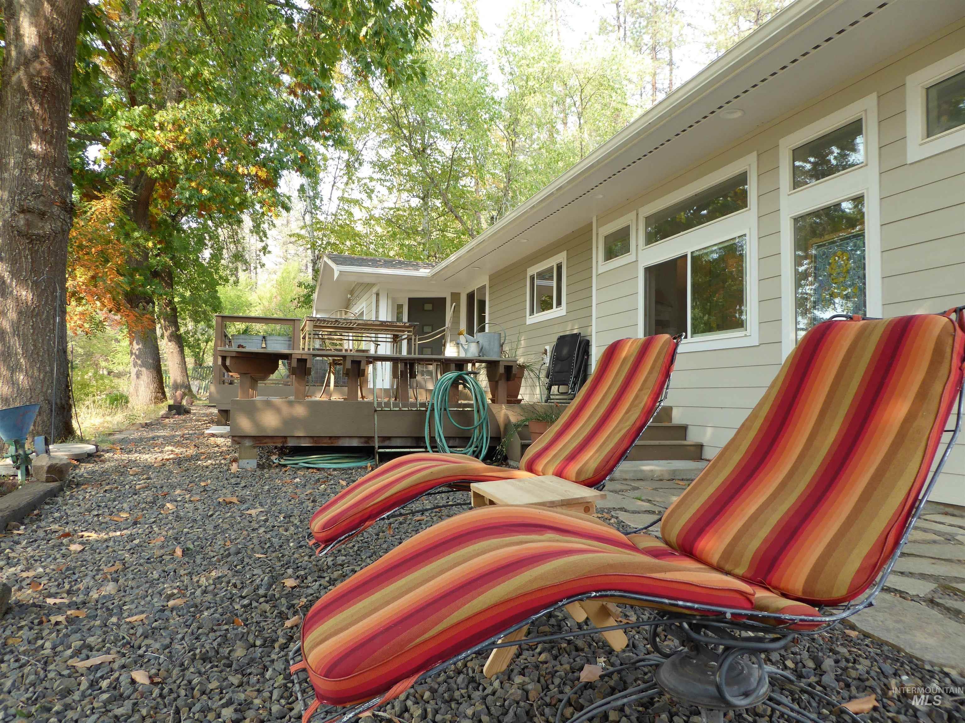 6055 Highway 12 Property Photo