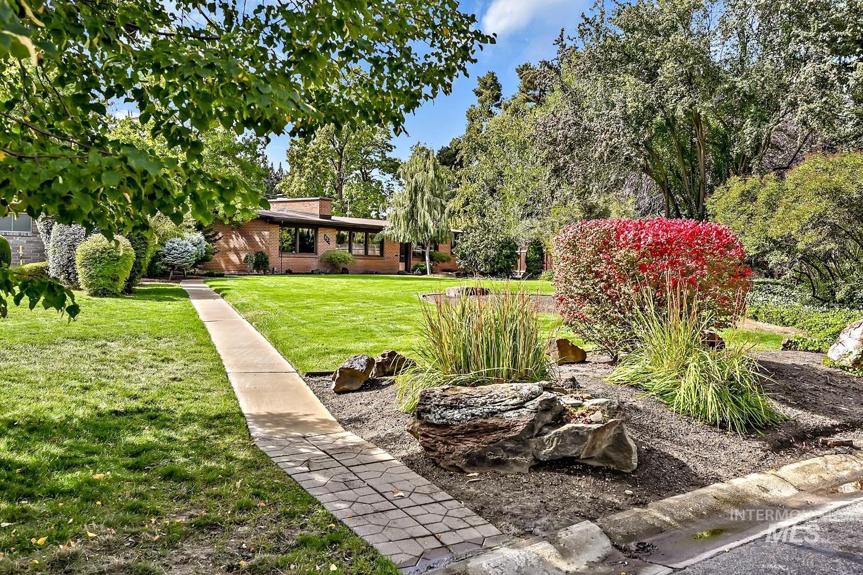 Crestview Park Real Estate Listings Main Image