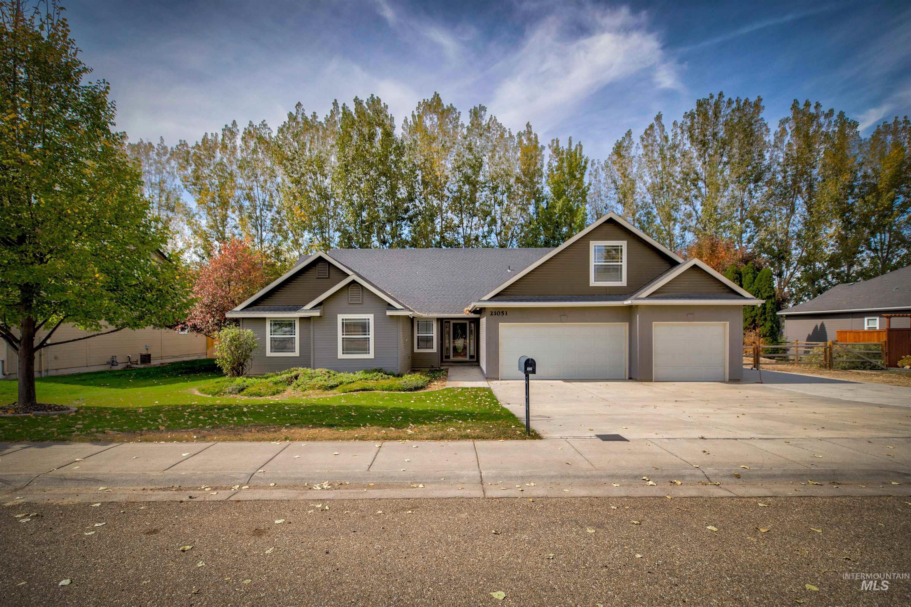 21051 Oakwood Drive Property Photo