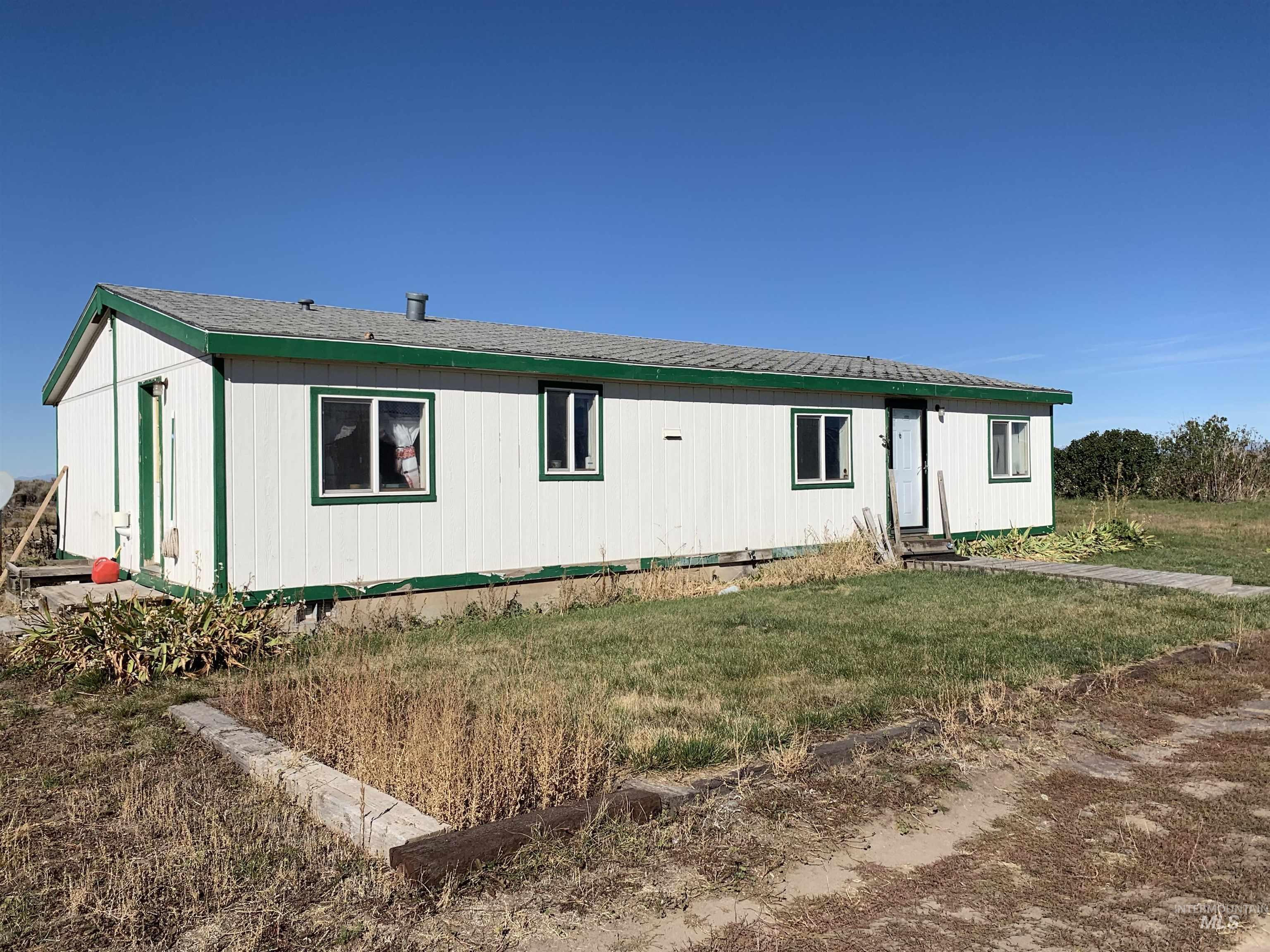 500 E 20 N Property Photo 1